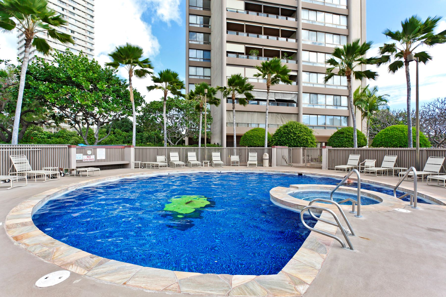 Additional photo for property listing at Royal Iolani 581 Kamoku Street #2604 Honolulu, Hawaii 96826 United States