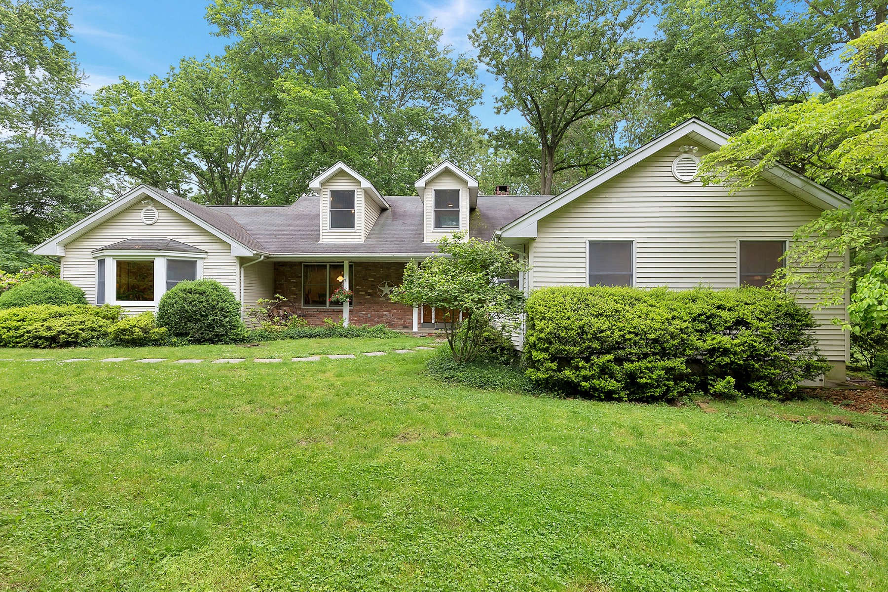Single Family Home for Sale at 24 Clover Hill Lane Colts Neck, New Jersey, 07722 United States