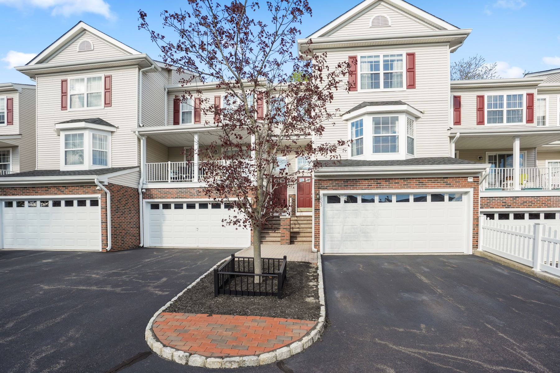 townhouses for Sale at Stunning Townhouse 1805 Middlefield Court Denville, New Jersey 07834 United States
