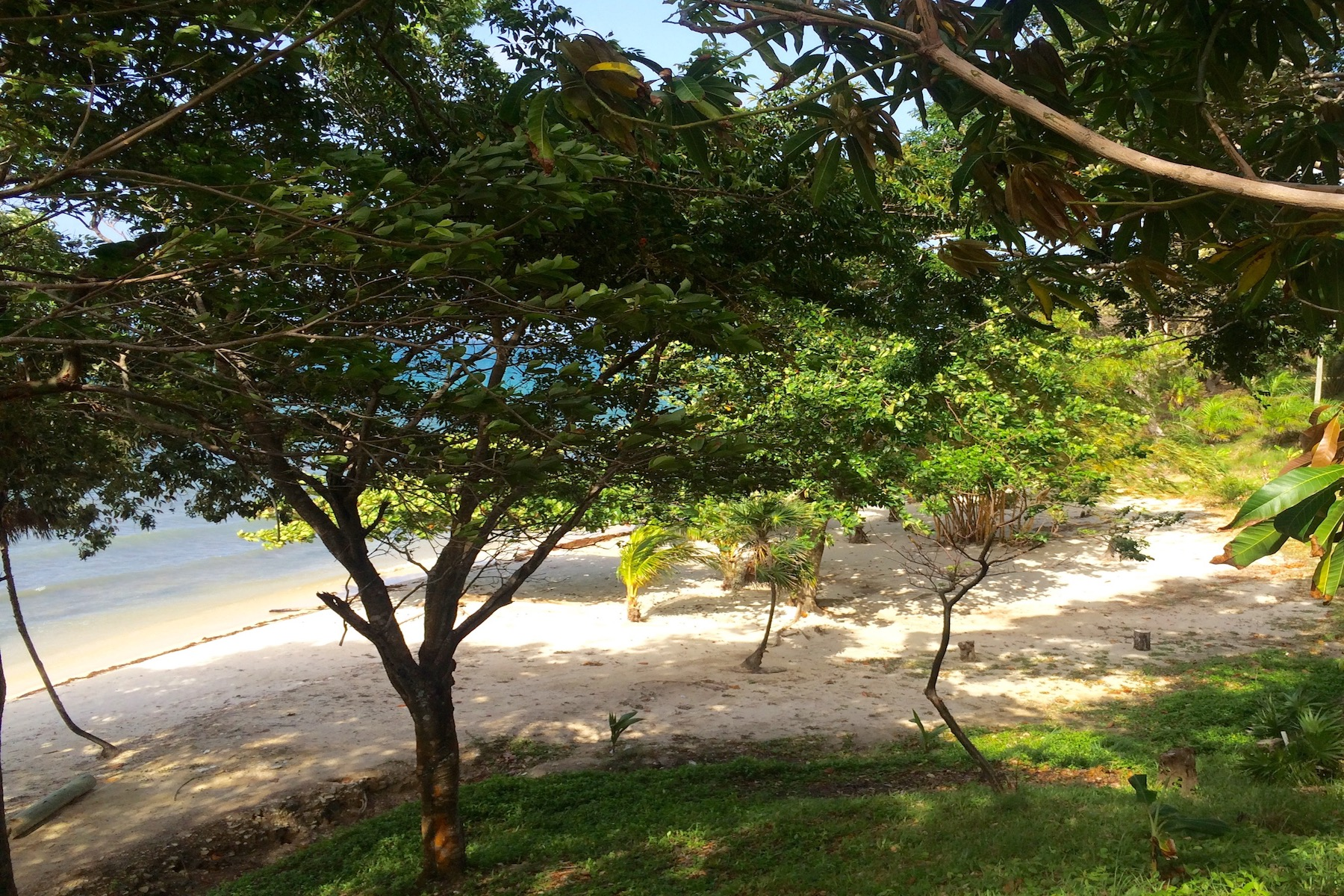Land for Sale at La Giralda Lot#PL2 Guanaja, Bay Islands Honduras