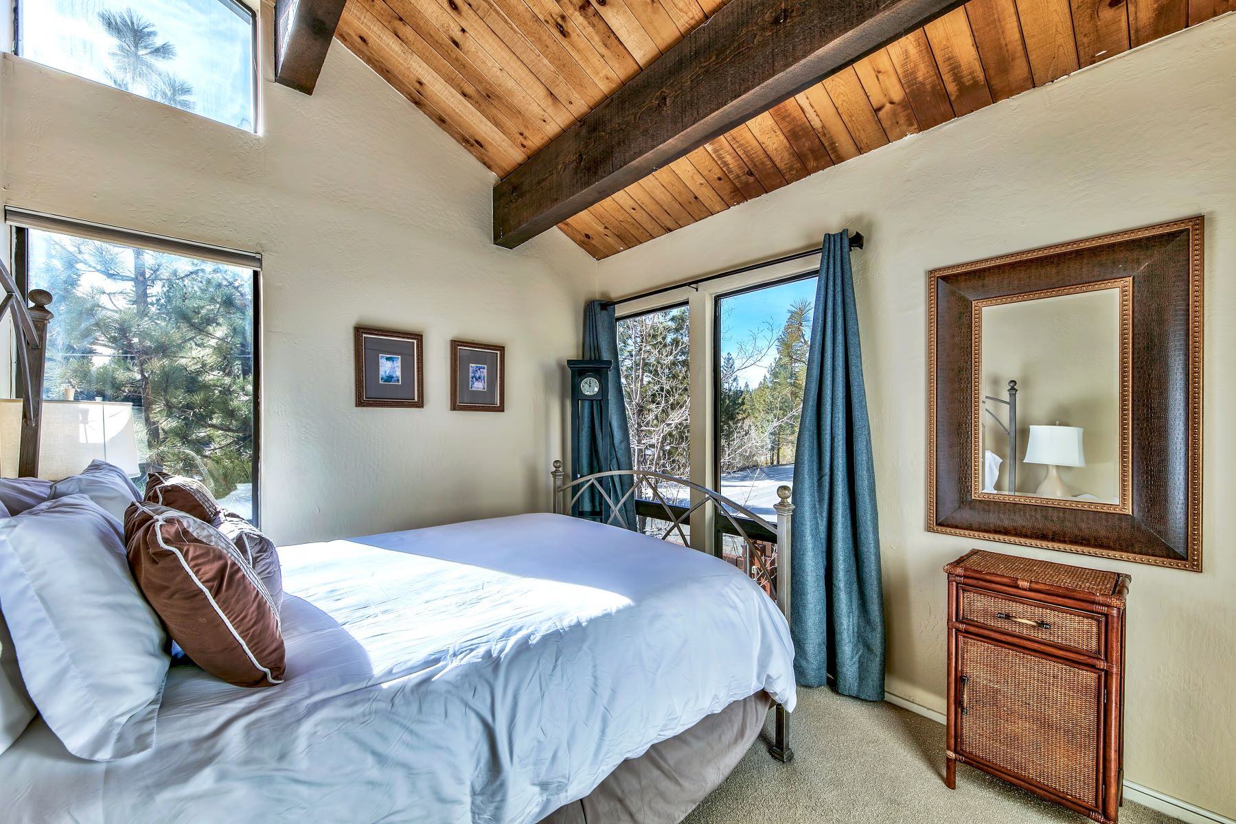 Additional photo for property listing at 1001 Commonwealth #1, Kings Beach, CA 1001 Commonwealth Dr #1 Kings Beach, California 96143 United States