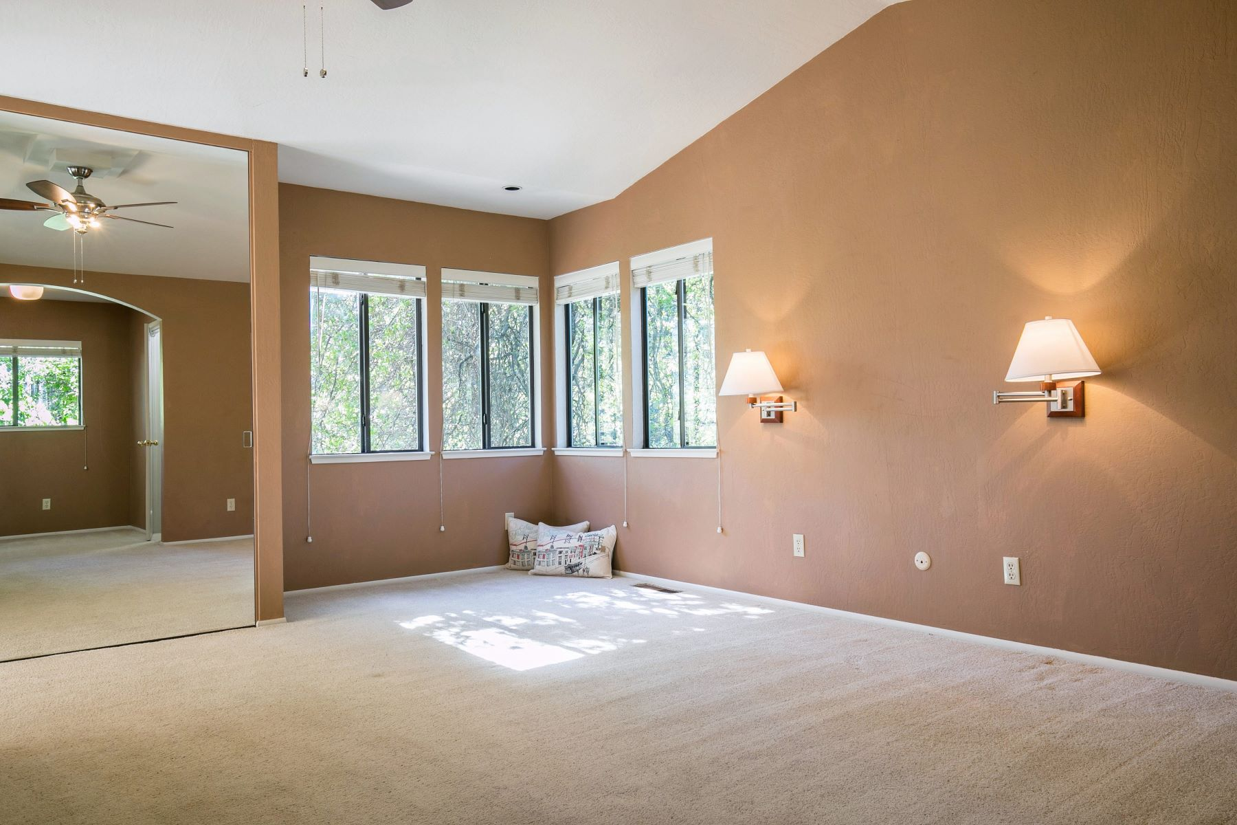 Additional photo for property listing at 130 Oaktree Drive, Auburn, CA 130 Oaktree Drive Auburn, California 95603 United States