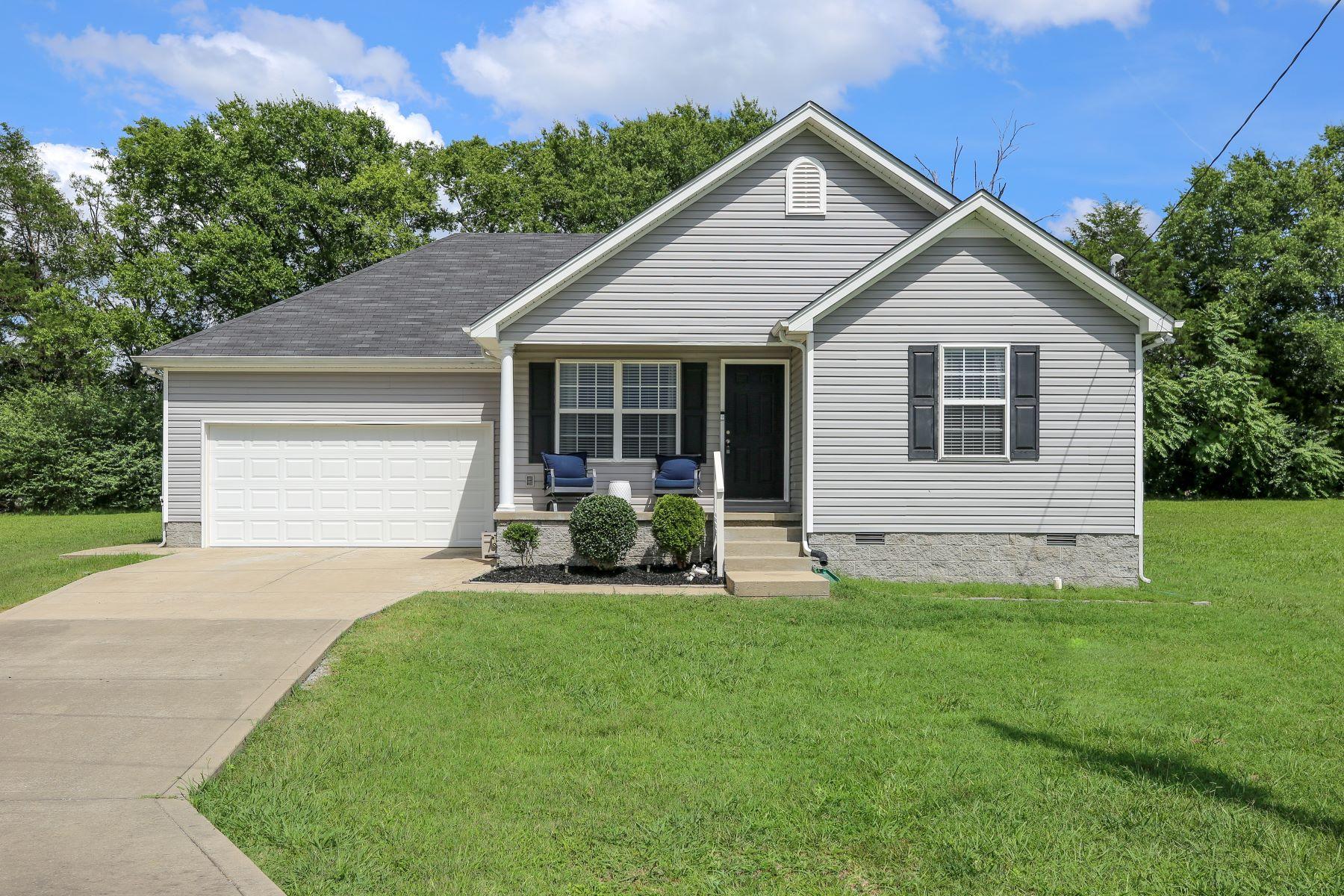 Single Family Homes por un Venta en Wonderful Home in Murfreesboro! 100 Oleander Lane Murfreesboro, Tennessee 37219 Estados Unidos