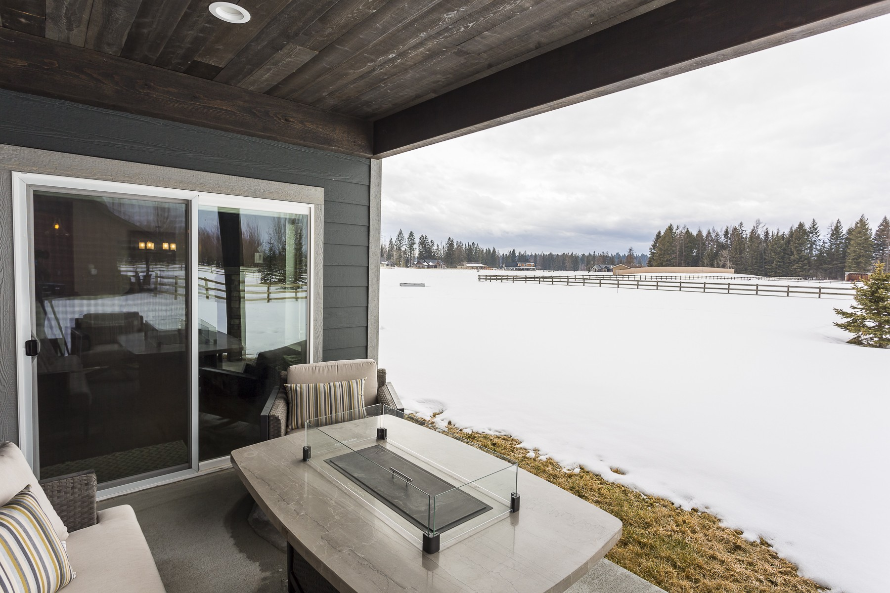 Additional photo for property listing at 303 Whispering Meadows , Kalispell, MT 59901 303  Whispering Meadows Trl Kalispell, Montana 59901 United States