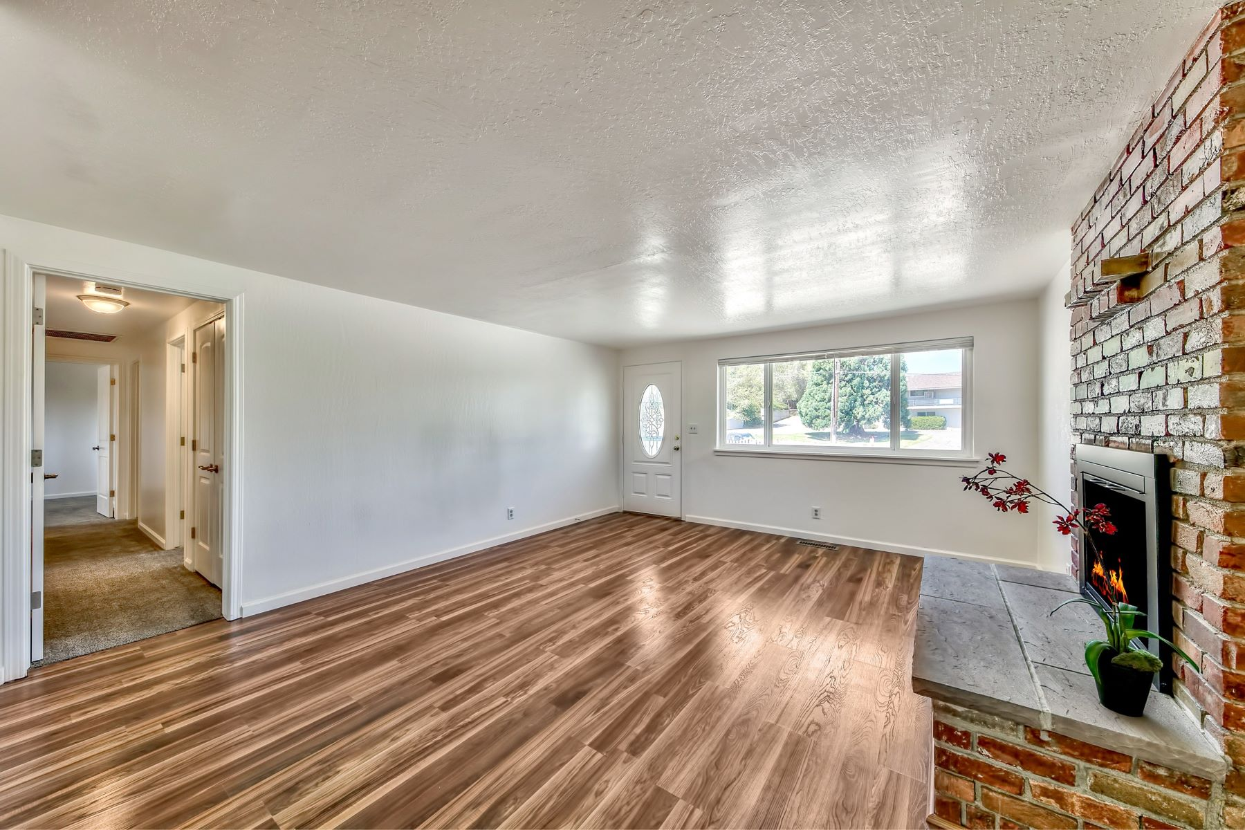 Additional photo for property listing at 2240 W 7th Street, Reno, Nevada 2240 W 7th Street Reno, Nevada 89503 United States