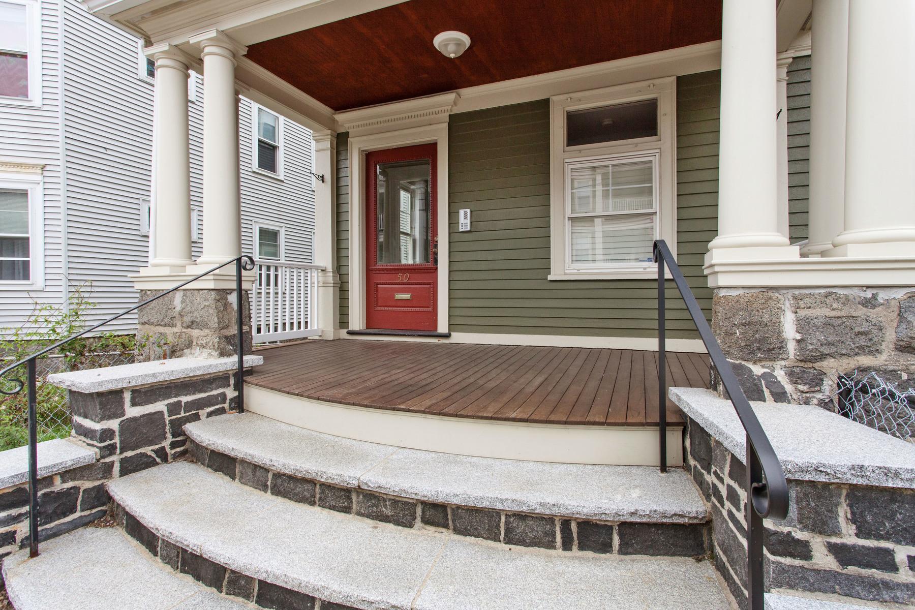 Condominio por un Venta en Pope's Hill Penthouse 50 Rosemont Street Unit 3 Boston, Massachusetts, 02122 Estados Unidos