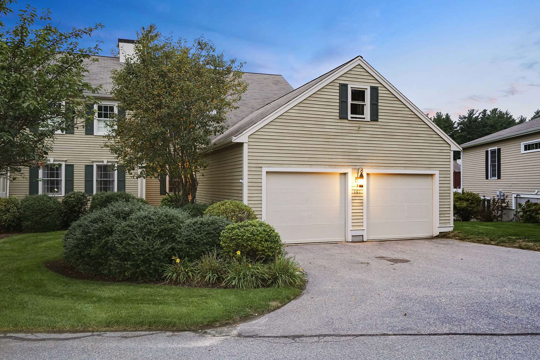 Townhouse for Sale at 101 Tussock Brook Road 101 Tussock Brook Road Duxbury, Massachusetts 02332 United States