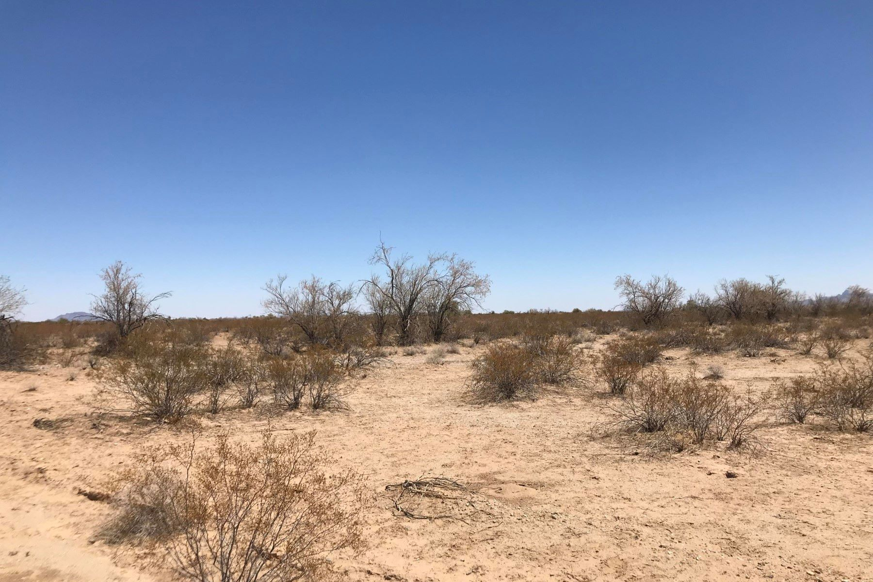 Land for Active at Affordable Land Between the California Border and Phoenix Metro Area 79972 E 57th St Salome, Arizona 85348 United States