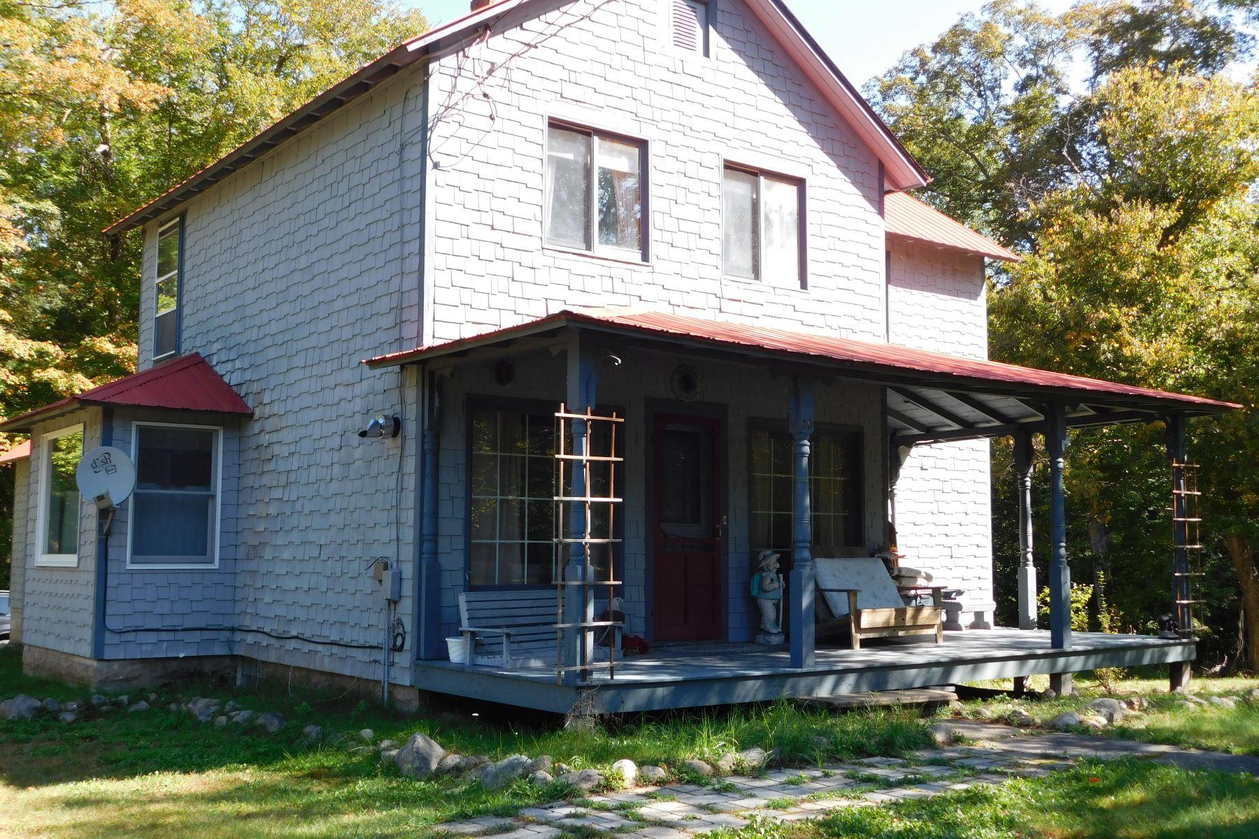 Single Family Homes för Försäljning vid 20 South Shore Rd, Inlet, NY 13360 Inlet, New York 13360 Förenta staterna