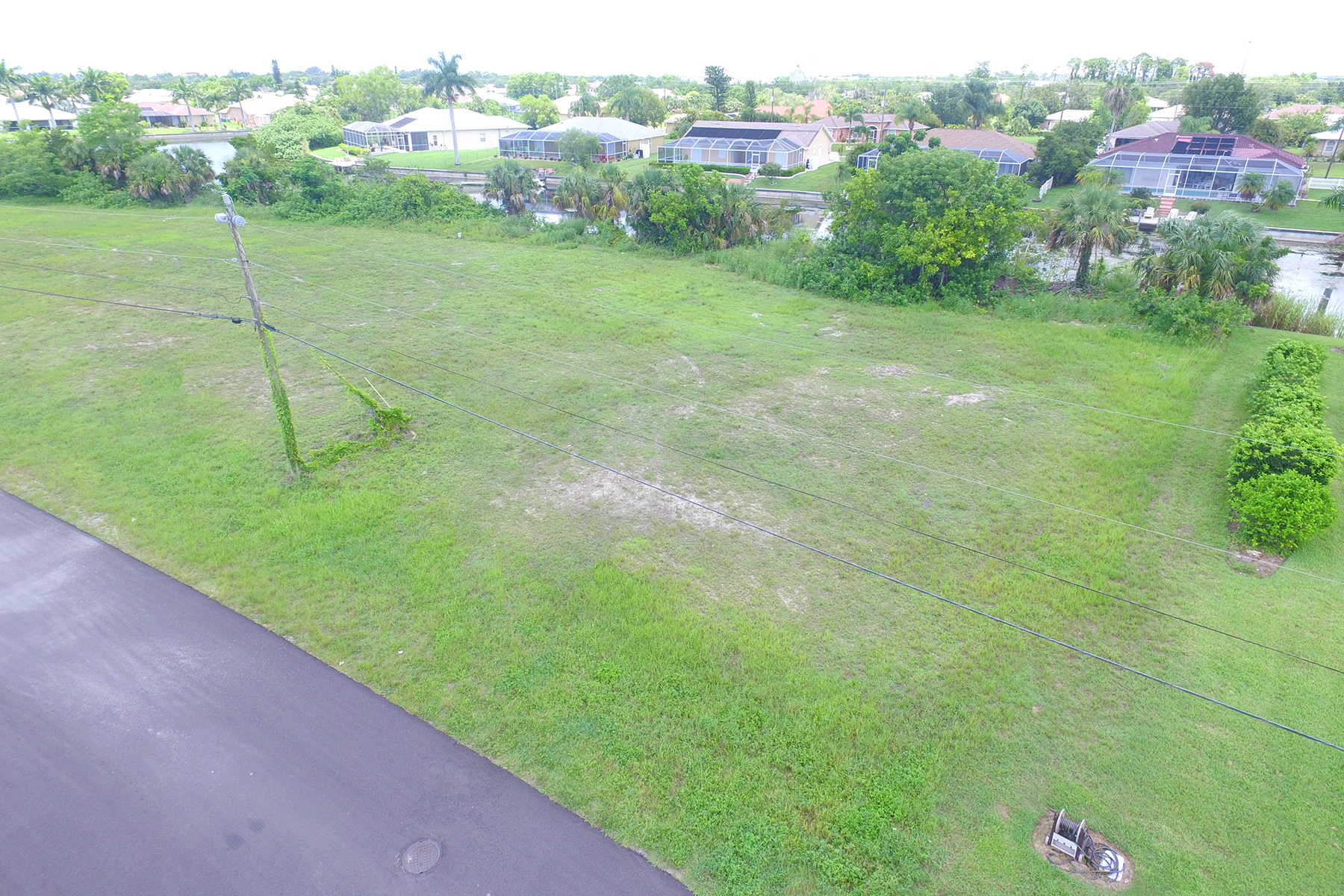 Terreno por un Venta en CAPE CORAL 2207 4th St Cape Coral, Florida 33909 Estados Unidos
