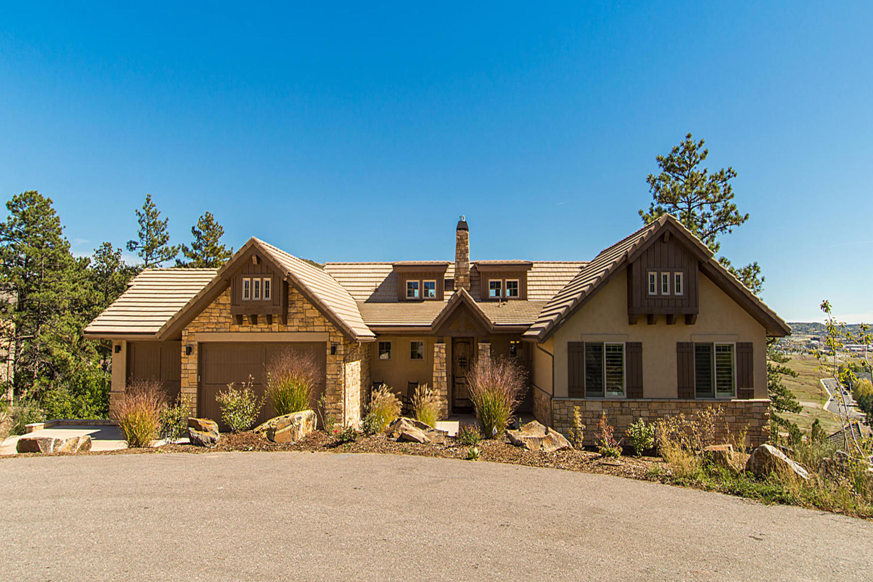 Single Family Home for Active at 653 Ruby Trust Dr 653 Ruby Trust Dr Castle Rock, Colorado 80108 United States