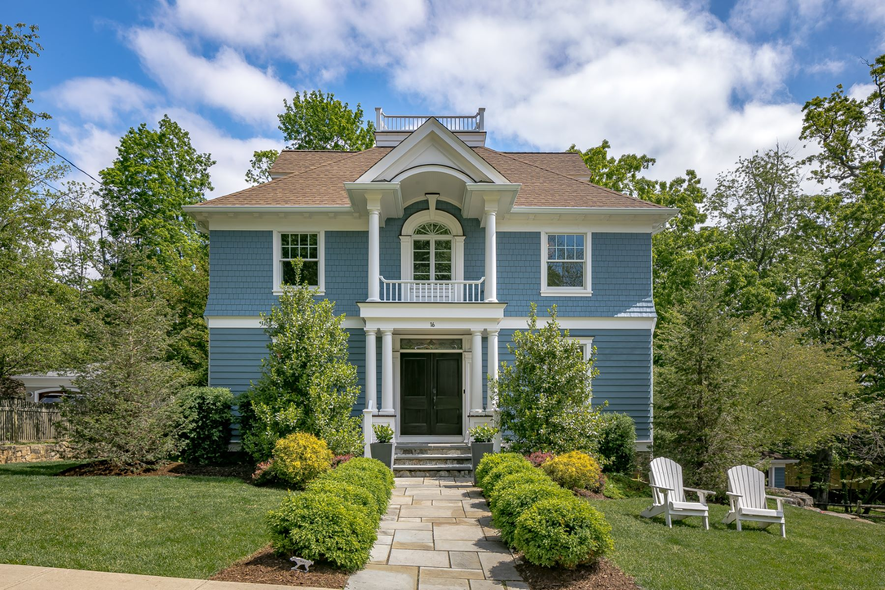 Single Family Homes for Sale at Stately Custom Colonial 16 Vinton Road Madison, New Jersey 07940 United States