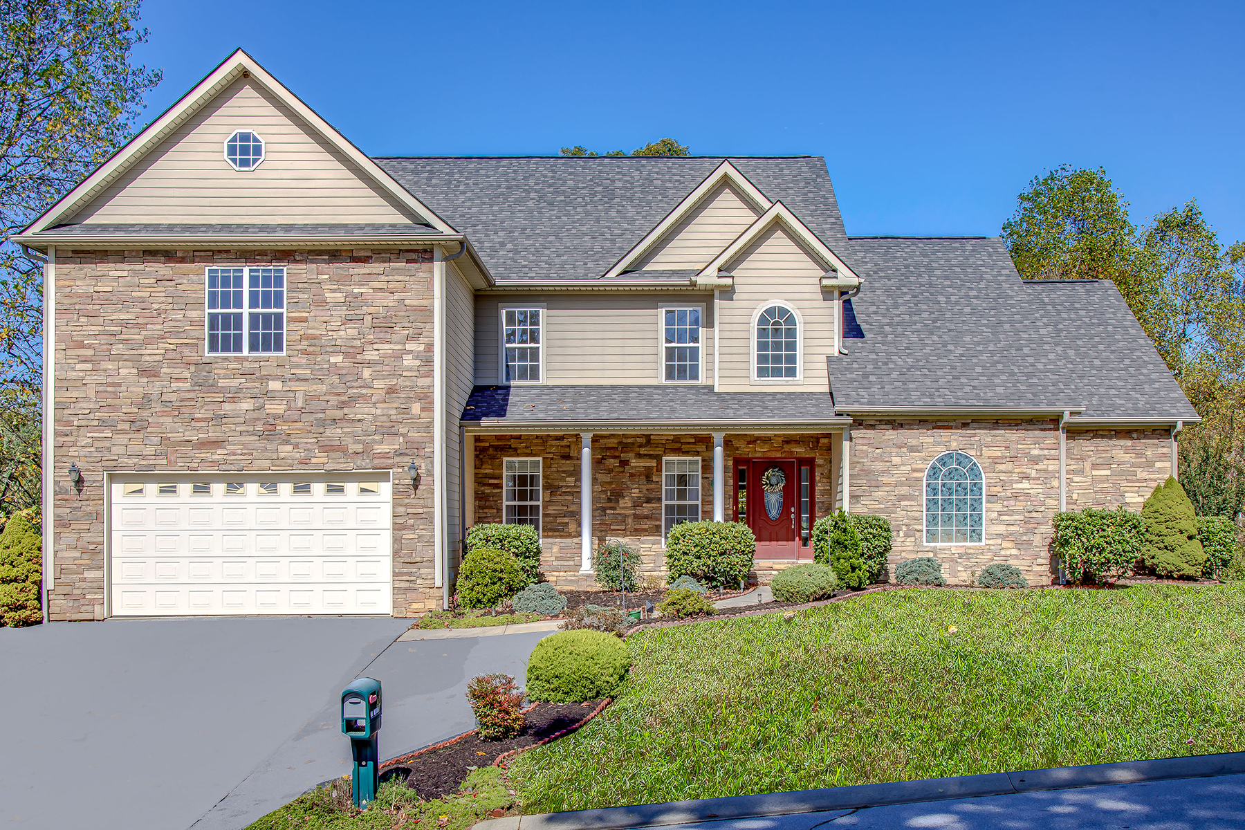 Single Family Homes for Active at 34 Drakes Meadow Ln Arden, North Carolina 28704 United States