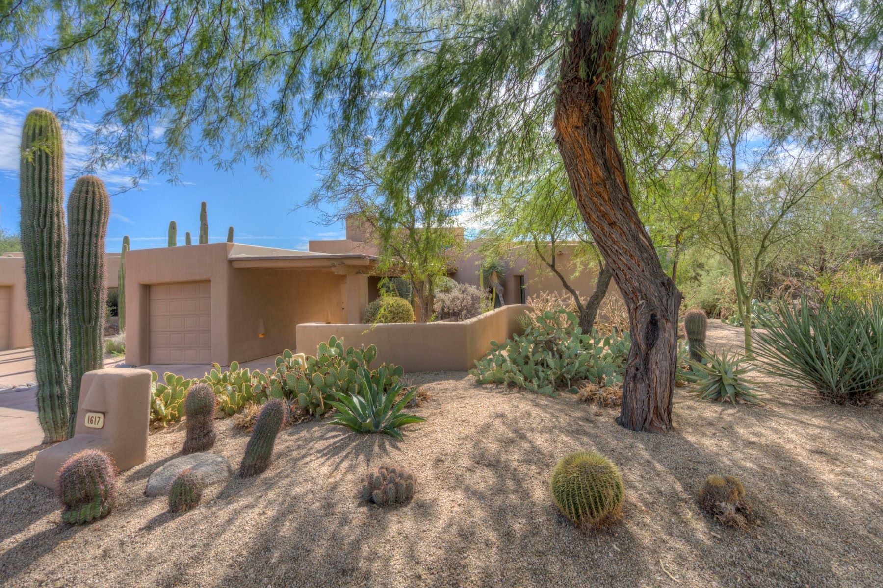 Single Family Home for Sale at Enchanting villa sits on the 10th fairway of The Boulders 1617 N Quartz Valley Rd Scottsdale, Arizona 85266 United States