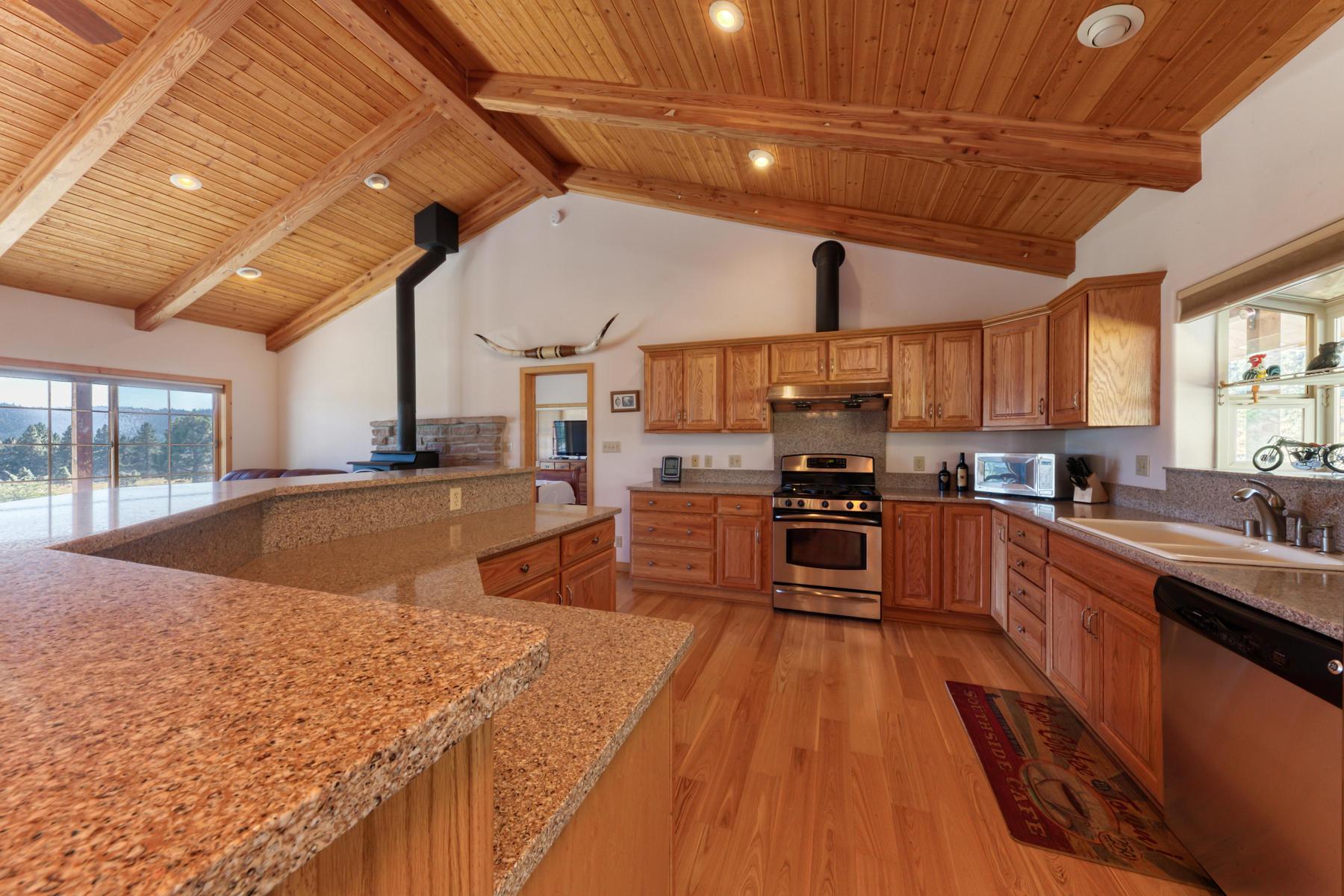 Additional photo for property listing at 79905 Panoramic Road, Portola, CA 96122 79905 Panoramic Road 贝克沃思, 加利福尼亚州 96122 美国