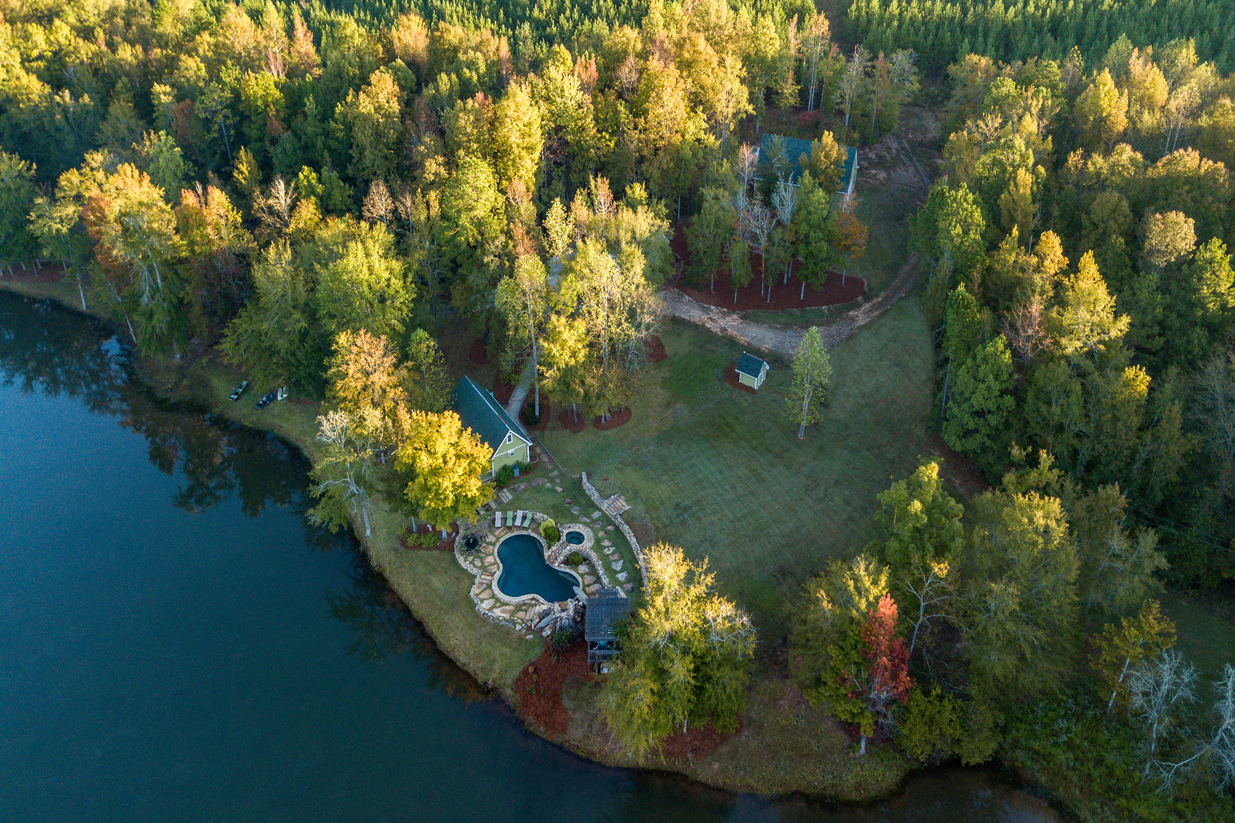 Eensgezinswoning voor Verkoop op Looking For That Amazing Getaway? 98 Private Acres Just Outside of Macon! 5098 Crescent Road Dry Branch, Georgië 31020 Verenigde Staten
