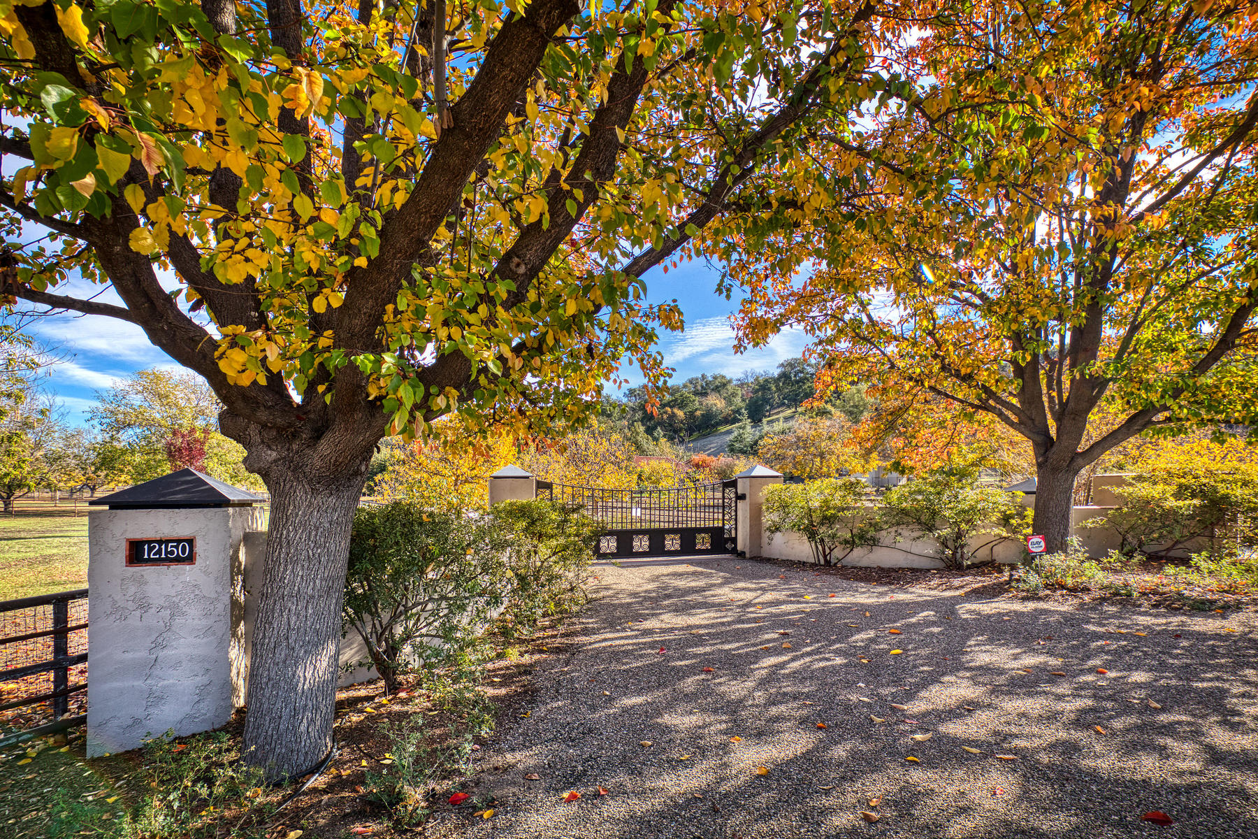 Farm / Ranch / Plantation for Sale at 20+ Acre Ranch 12150 Mountain Lion Road Ojai, California 93023 United States