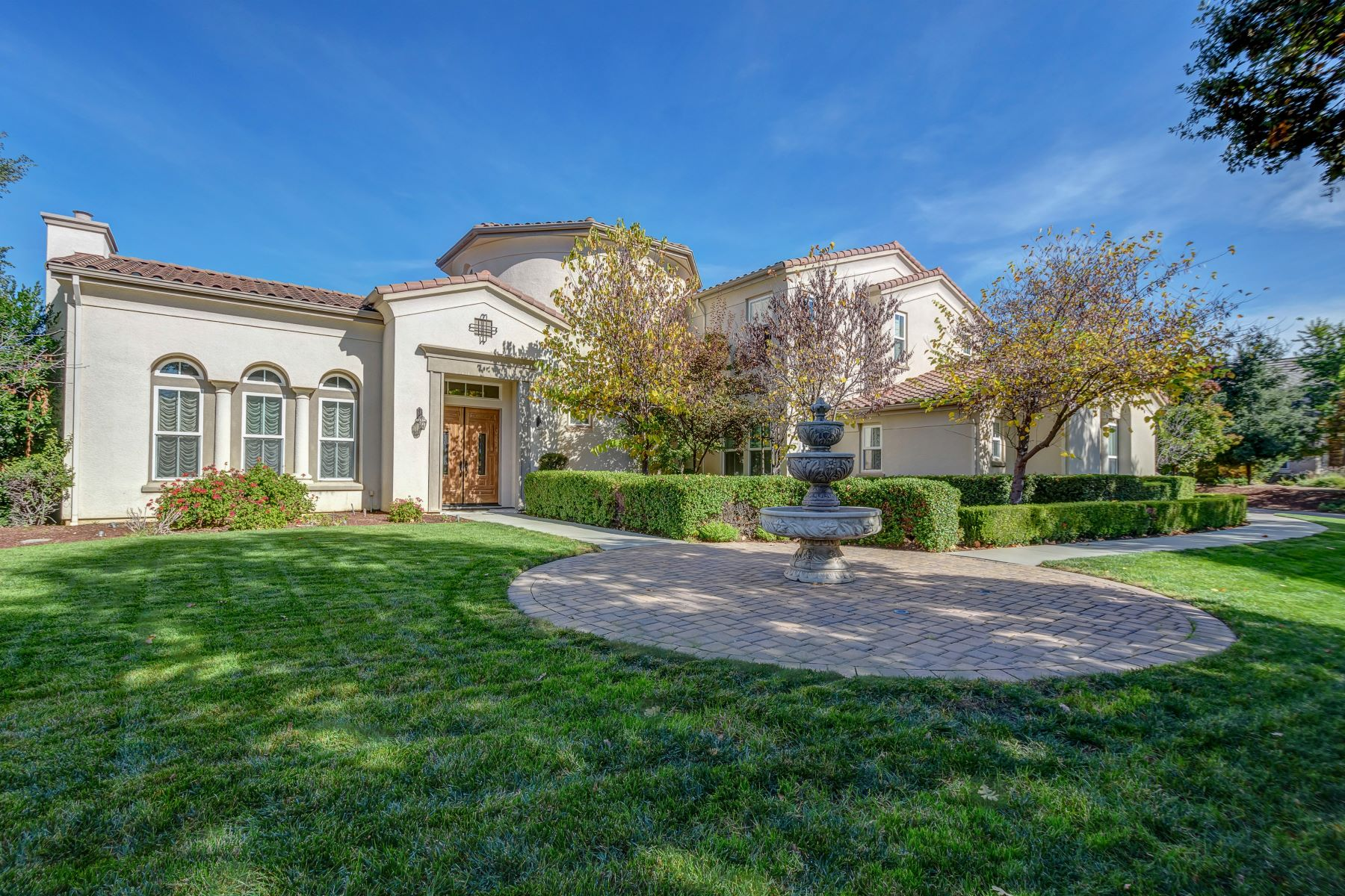 Single Family Homes for Sale at 900 Sycamore Road, Pleasanton 94566 900 Sycamore Road Pleasanton, California 94566 United States