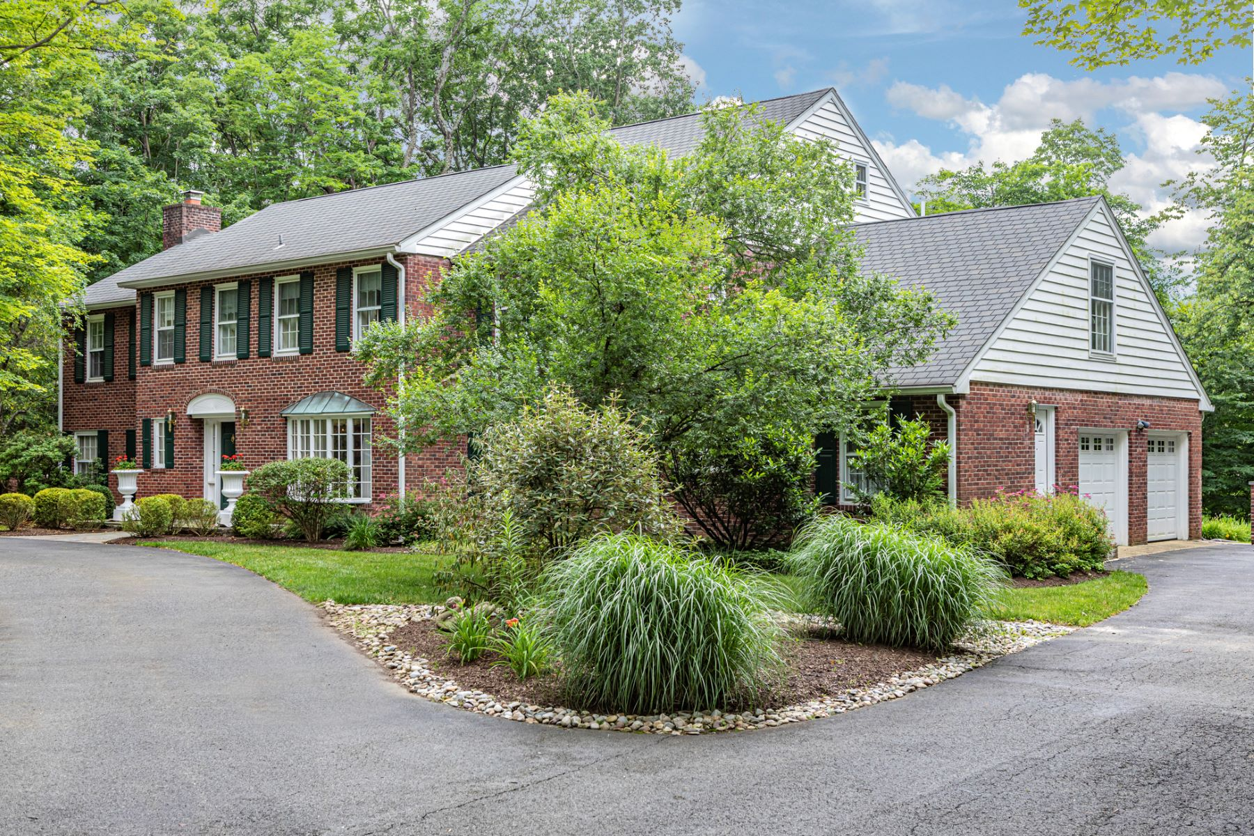 Additional photo for property listing at Brookstone Colonial Entertains with Ease & Style 253 Wendover Drive, Princeton, New Jersey 08540 United States
