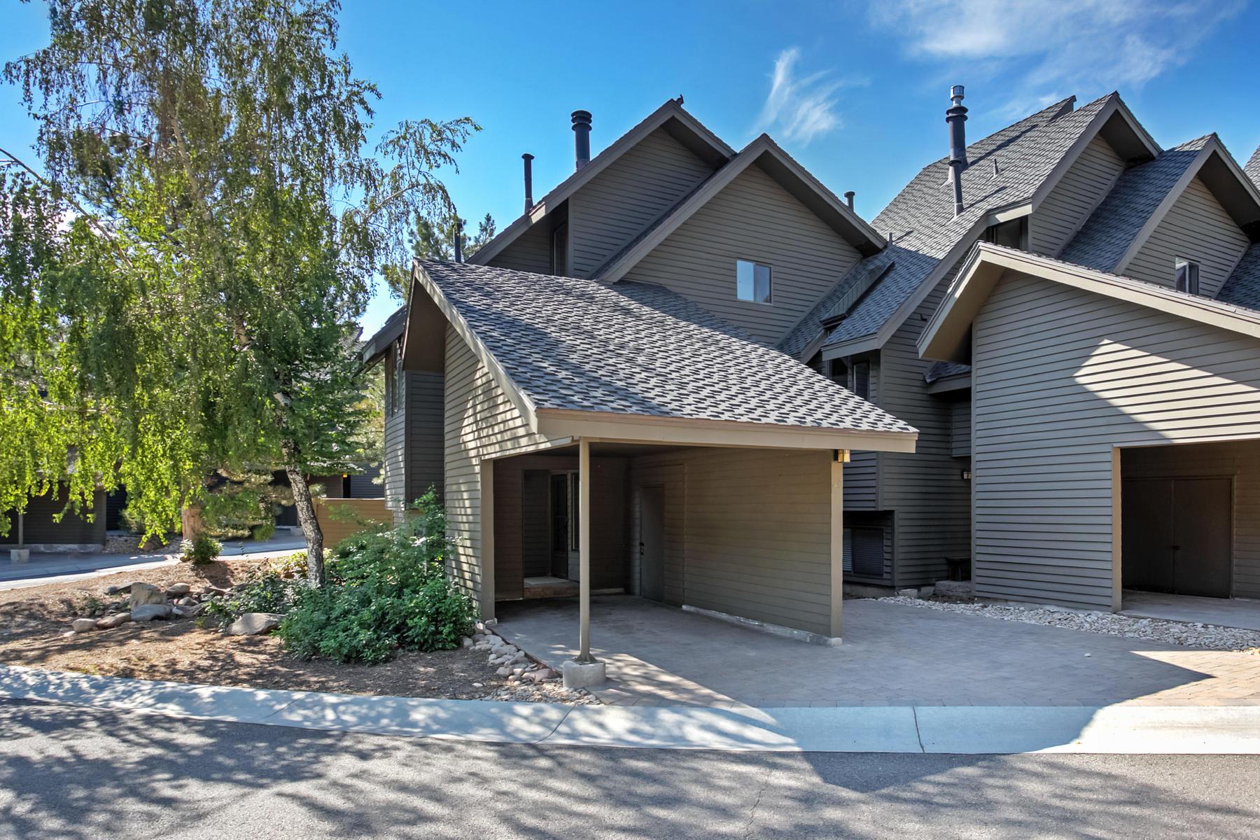 Adosado por un Venta en Remodeled 3 Bedroom Red Pine Town Home 2109 Commanche Trl #48 Park City, Utah, 84098 Estados Unidos