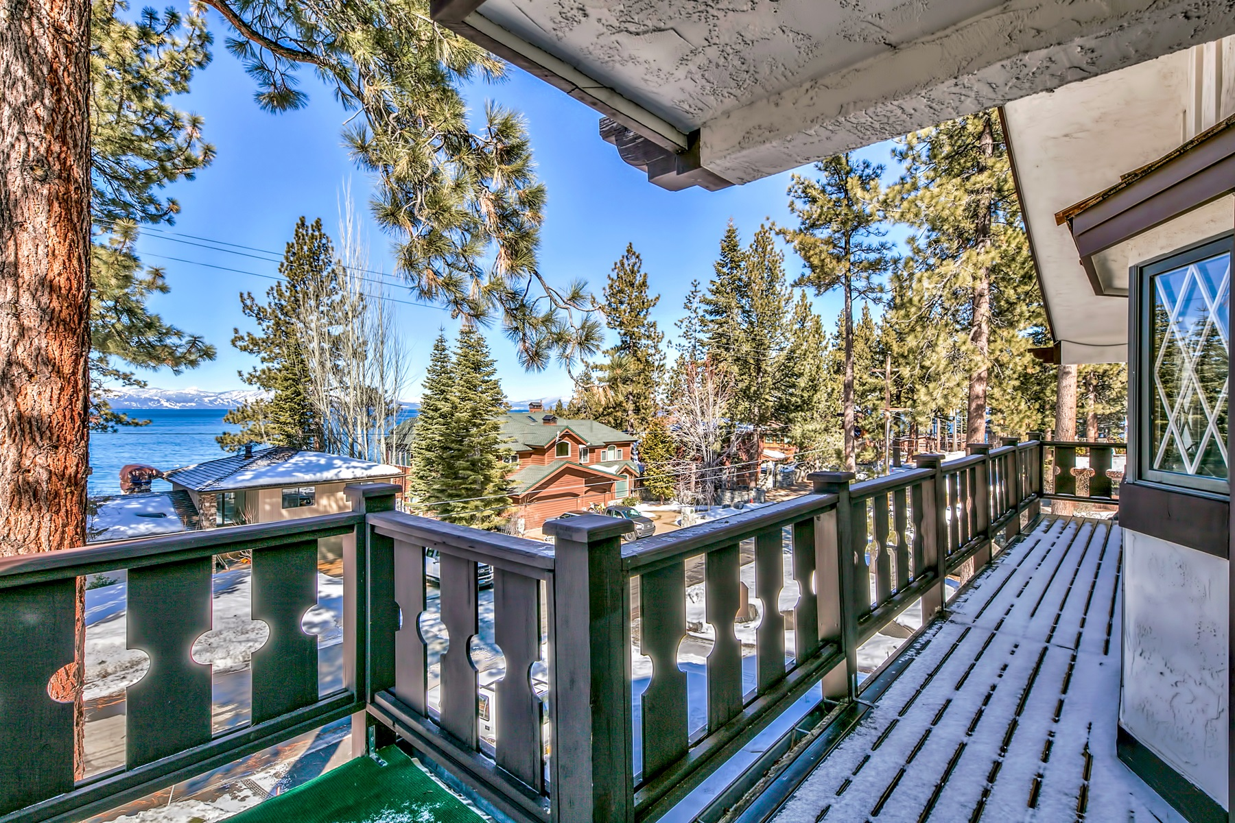 Additional photo for property listing at 1003 Skyland Drive, Zephyr Cove, NV 89448 1003 Skyland Drive Zephyr Cove, Nevada 89448 United States
