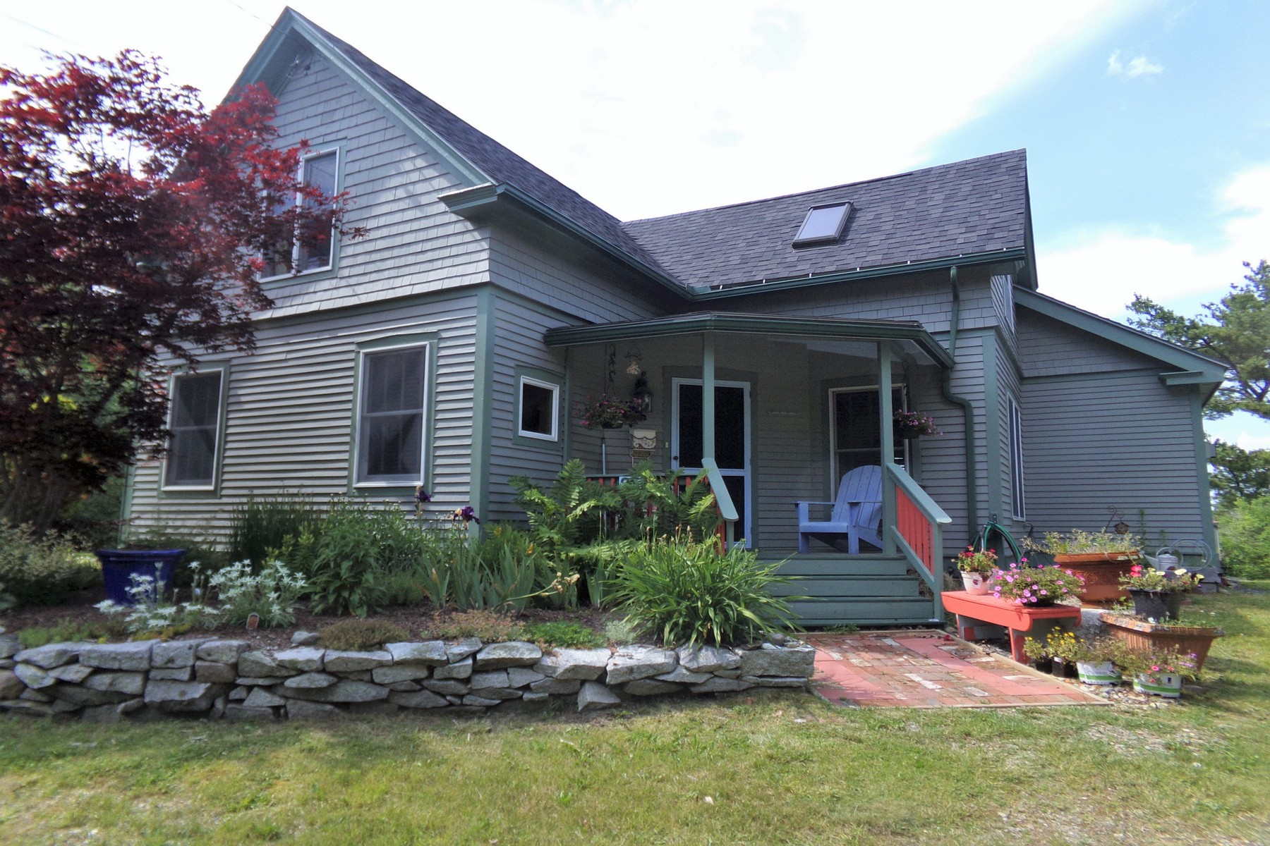 Single Family Homes للـ Sale في Water Color Cottage 25 Bay View Avenue, Sorrento, Maine 04677 United States