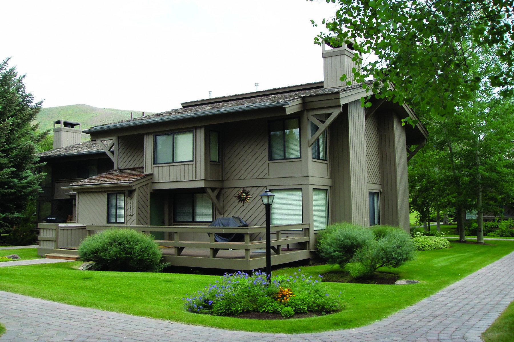 Condominium for Sale at Location Near Sun Valley Village 1252 Villager Condo Sun Valley, Idaho 83353 United States