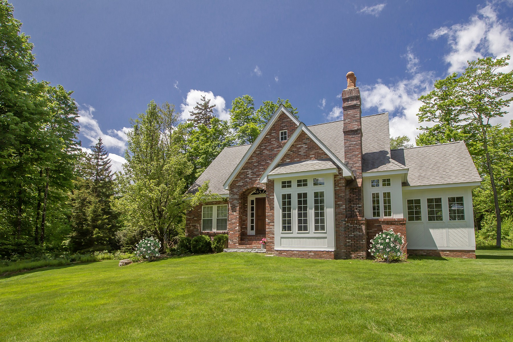 Single Family Homes for Sale at 108 Haynes Road, Wilmington 108 Haynes Rd Wilmington, Vermont 05363 United States