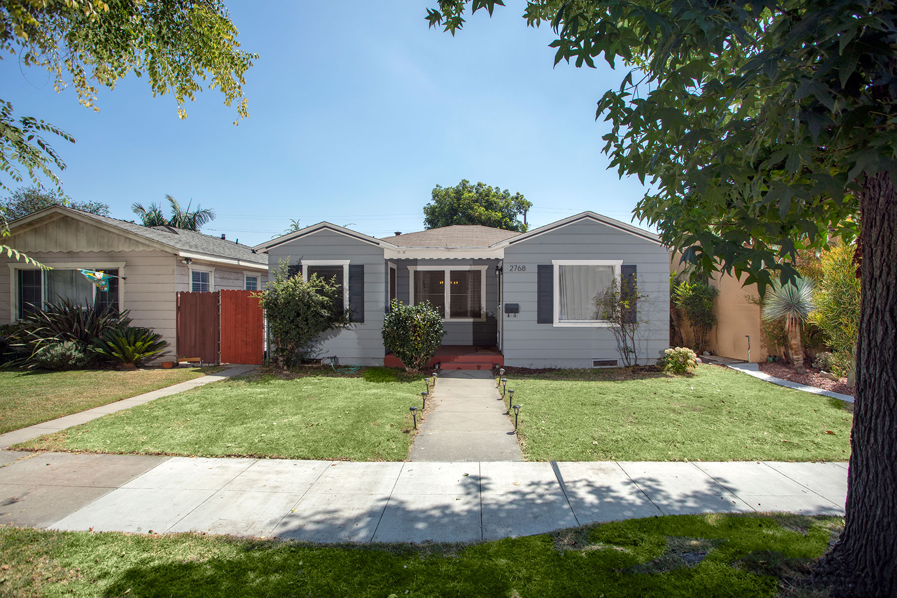 Частный односемейный дом для того Продажа на 2768 Maine Long Beach, Калифорния, 90806 Соединенные Штаты