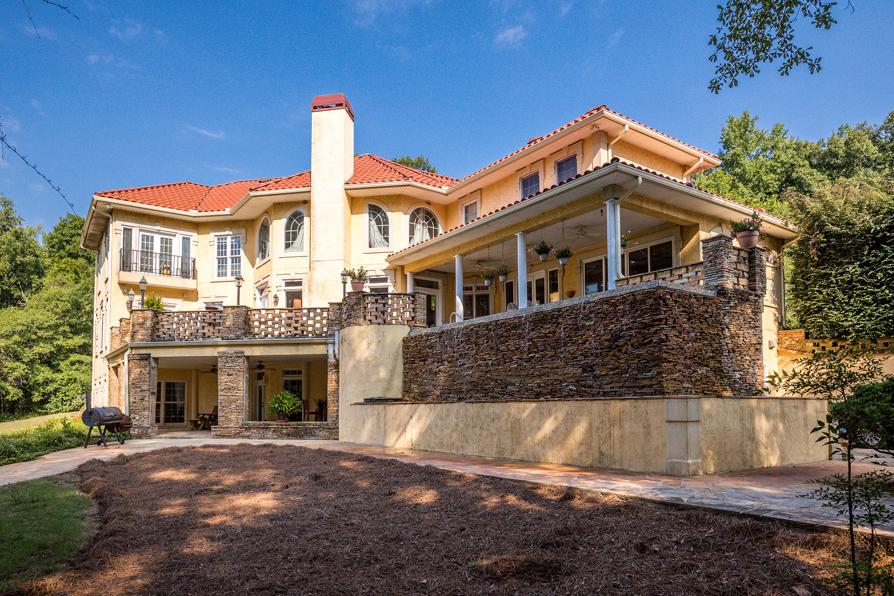 Additional photo for property listing at Indulge In This Beautiful, Spanish-Style Estate In Quiet Locust Grove 480 LG Griffin Road, Locust Grove, Джорджия 30248 Соединенные Штаты