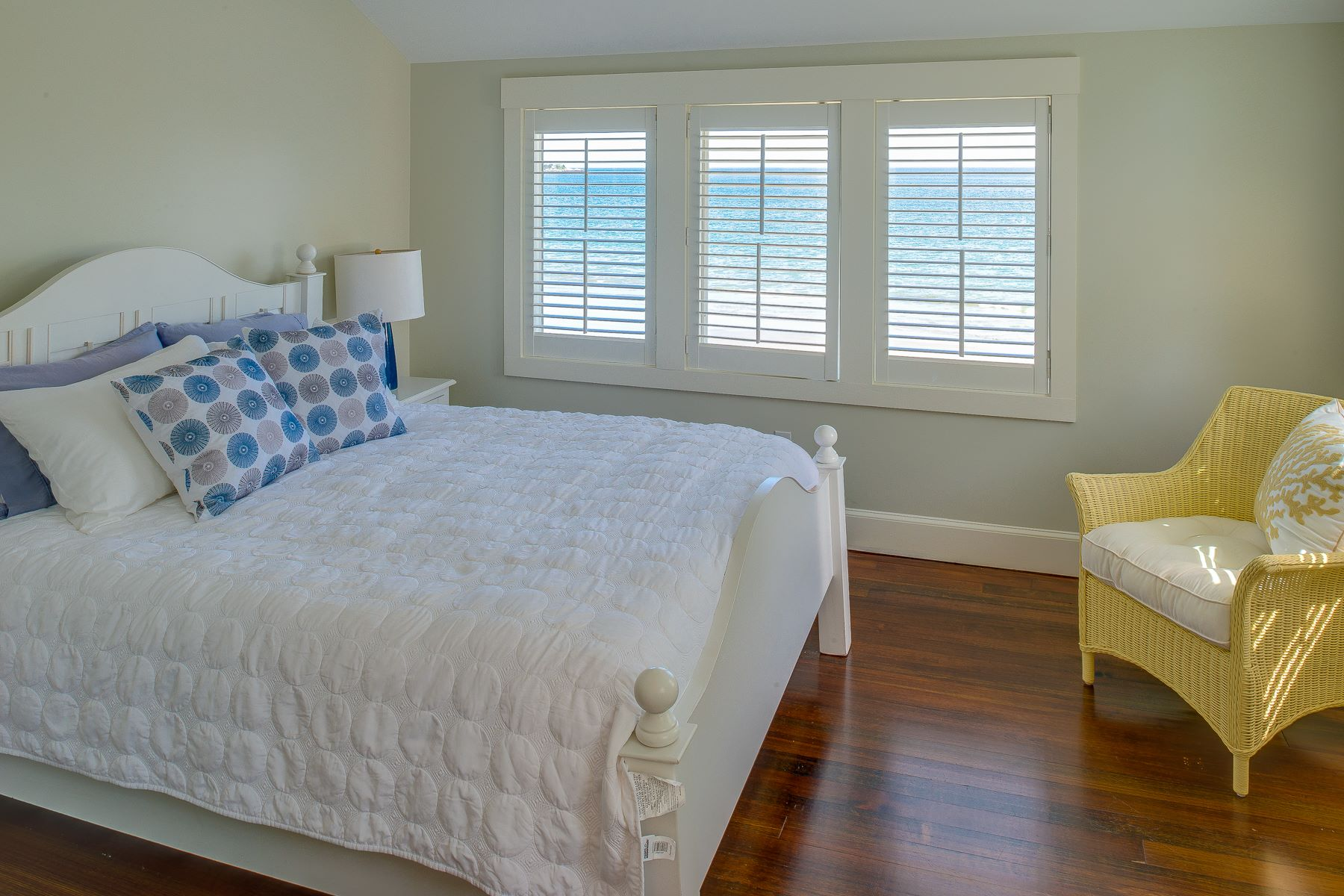 Additional photo for property listing at Perfect Marblehead Beach House 46 Gallison Avenue Marblehead, Massachusetts 01945 United States