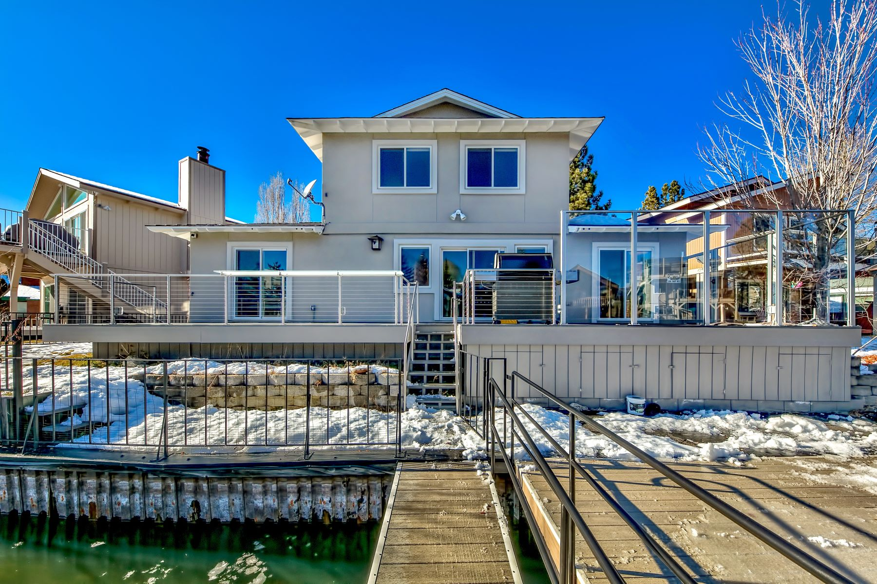 Property 为 销售 在 2030 Garmish Ct,South Lake Tahoe, CA 96150 2030 Garmish Court 南太浩湖, 加利福尼亚州 96150 美国