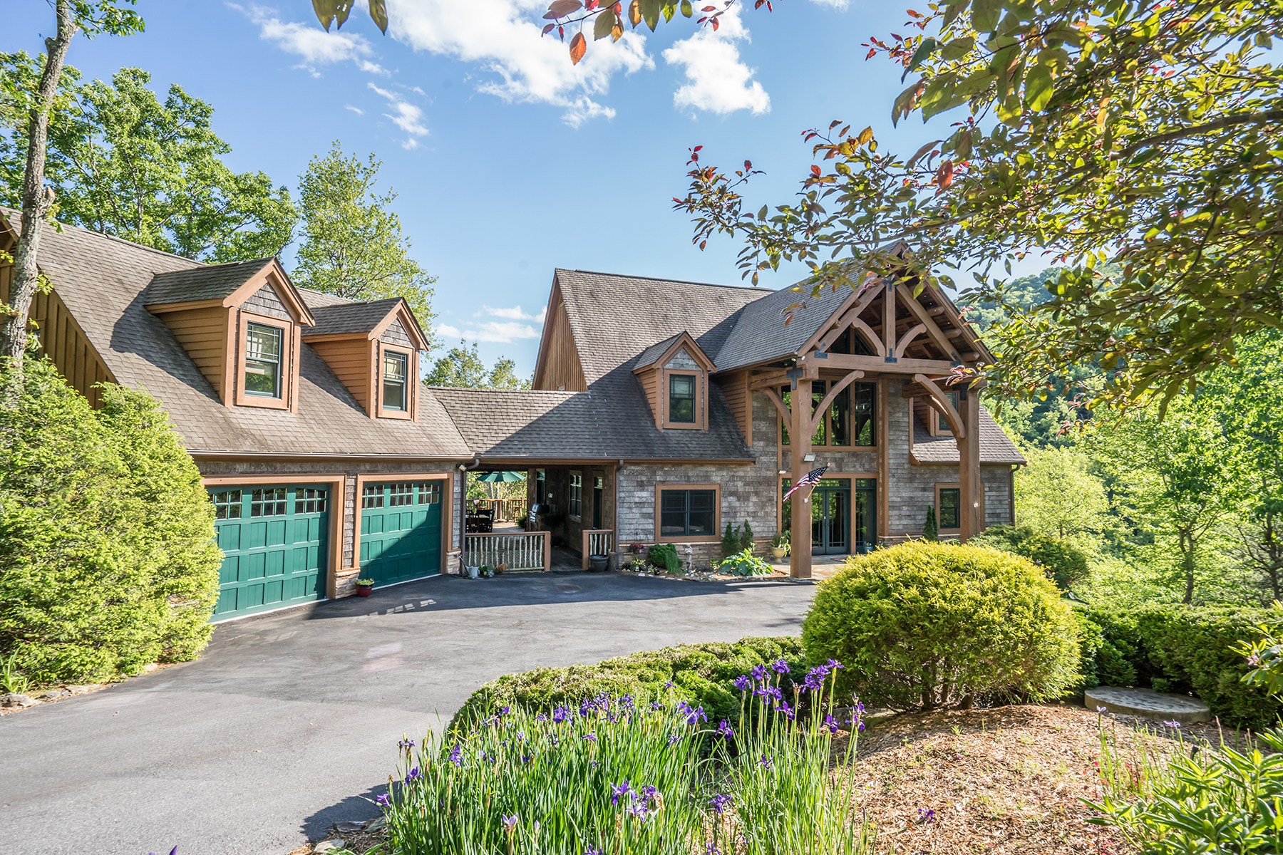 Single Family Home for Active at STONECLIFF PRESERVE - BOONE 236 Caspers Way Boone, North Carolina 28607 United States
