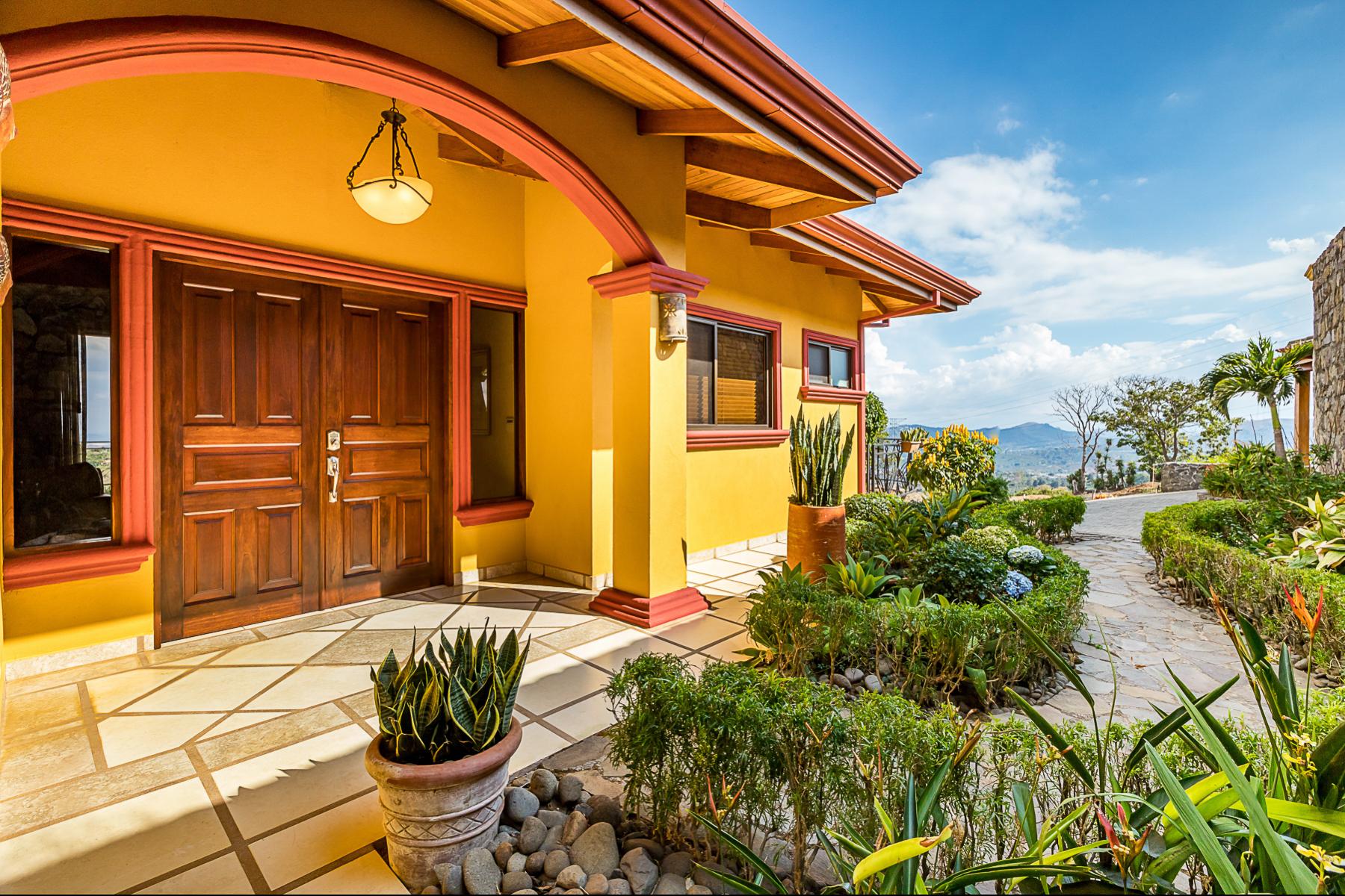 Single Family Homes por un Venta en Casa Pochote, Residencias Oro Monte Naranjo, Alajuela Costa Rica