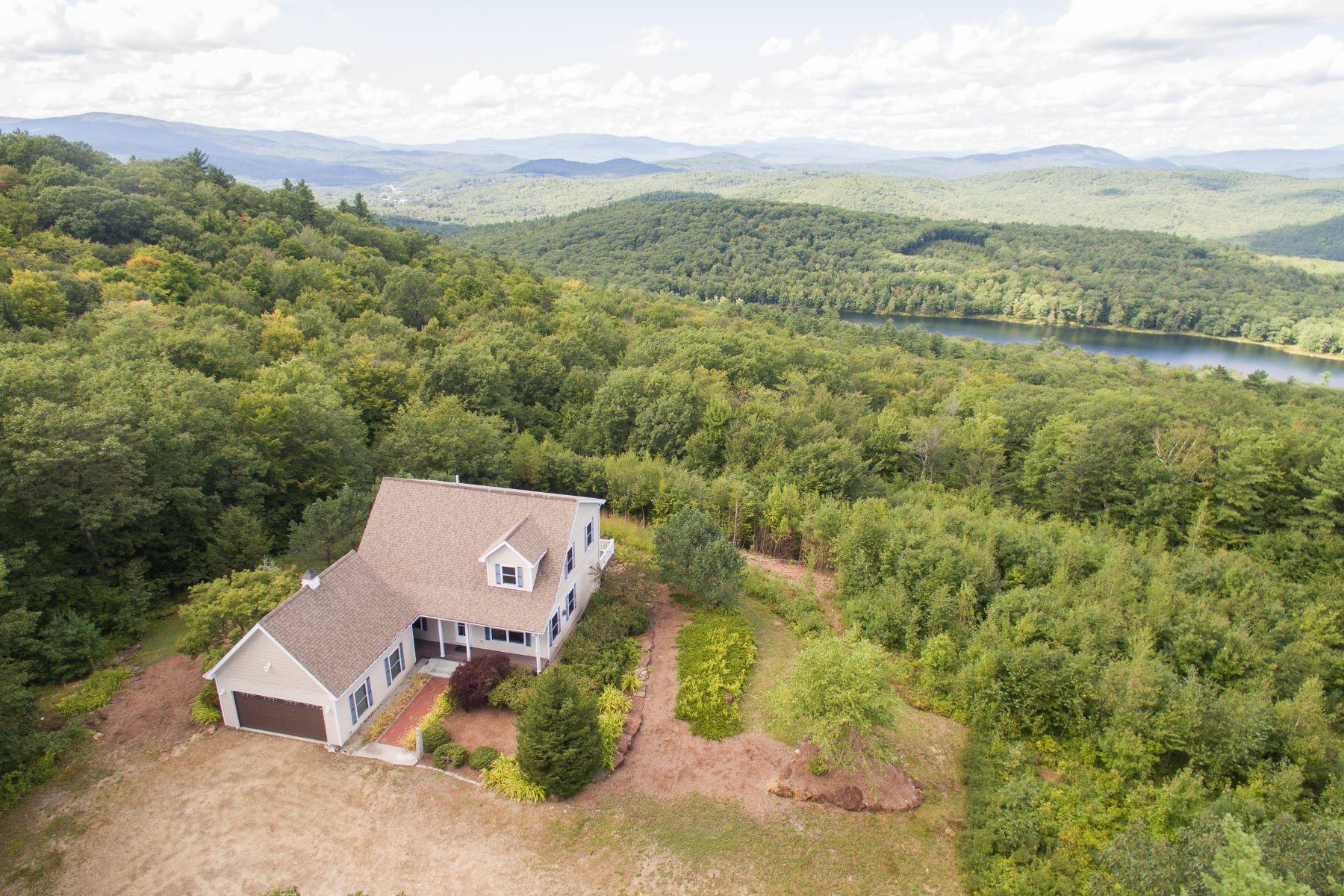 Single Family Homes pour l Vente à A Thousand Mile View 110 Sky Pond Rd New Hampton, New Hampshire 03256 États-Unis