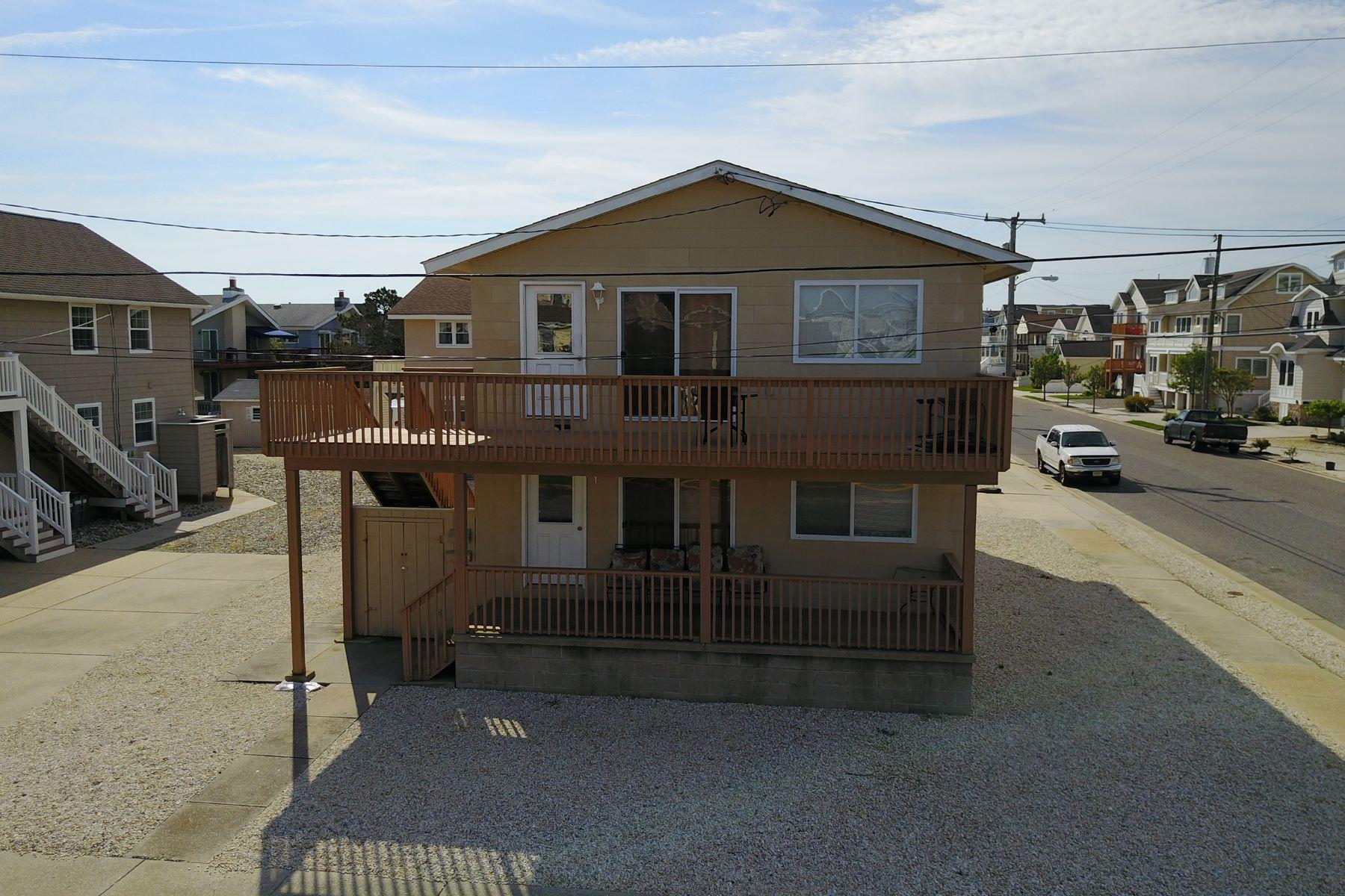 дуплекс для того Продажа на Renovated Corner Duplex 697 21st Street Avalon, Нью-Джерси 08202 Соединенные Штаты