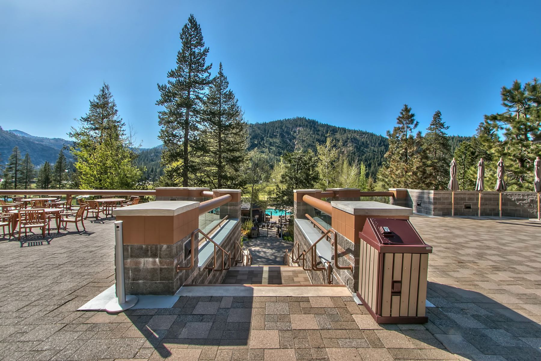Additional photo for property listing at 400 Squaw Creek Road #901/903 400 Squaw Creek Road #901/903 Olympic Valley, California 96146 United States