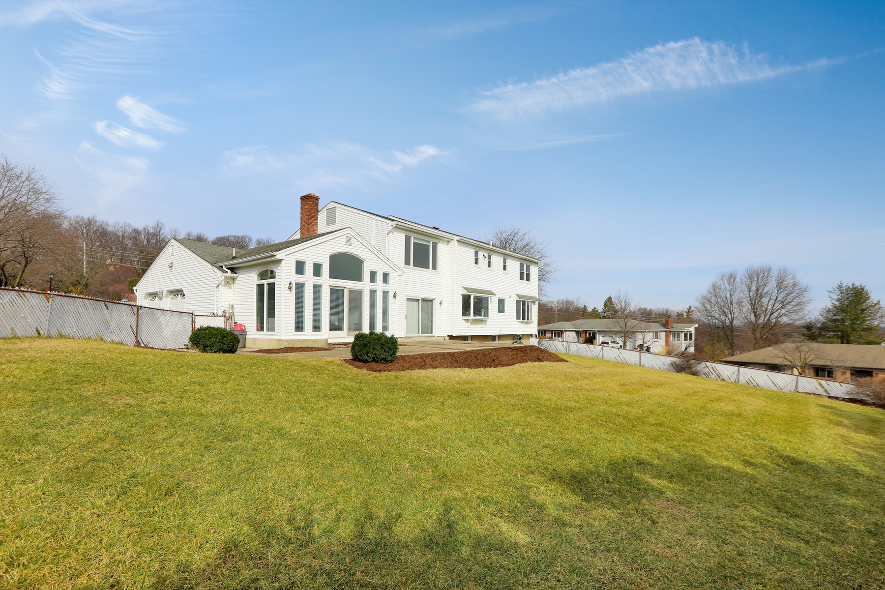 Additional photo for property listing at Colonial with NYC Views 12 Peach Tree Court, Hawthorne, New Jersey 07506 United States