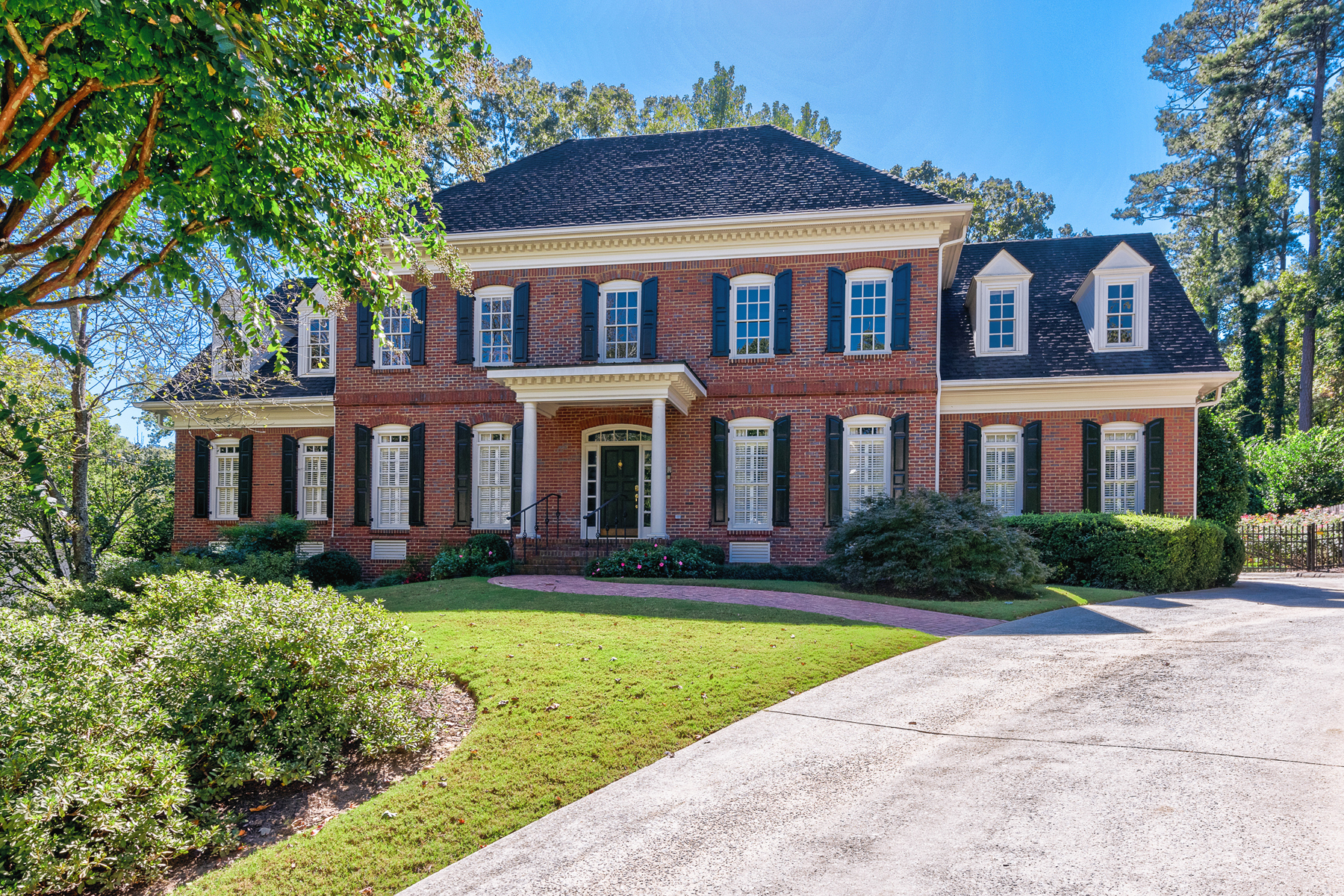 Single Family Home for Sale at Classic Property With Open Interior In A Wonderful Neighborhood 1414 Wesley Walk NW Atlanta, Georgia 30327 United States