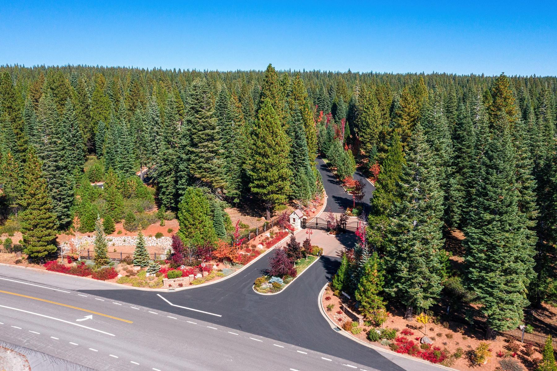 Additional photo for property listing at 2716 Walker Memorial Highway Lake Almanor California 96137 2716 Walker Memorial Highway A-13 Lake Almanor, 加利福尼亚州 96137 美国