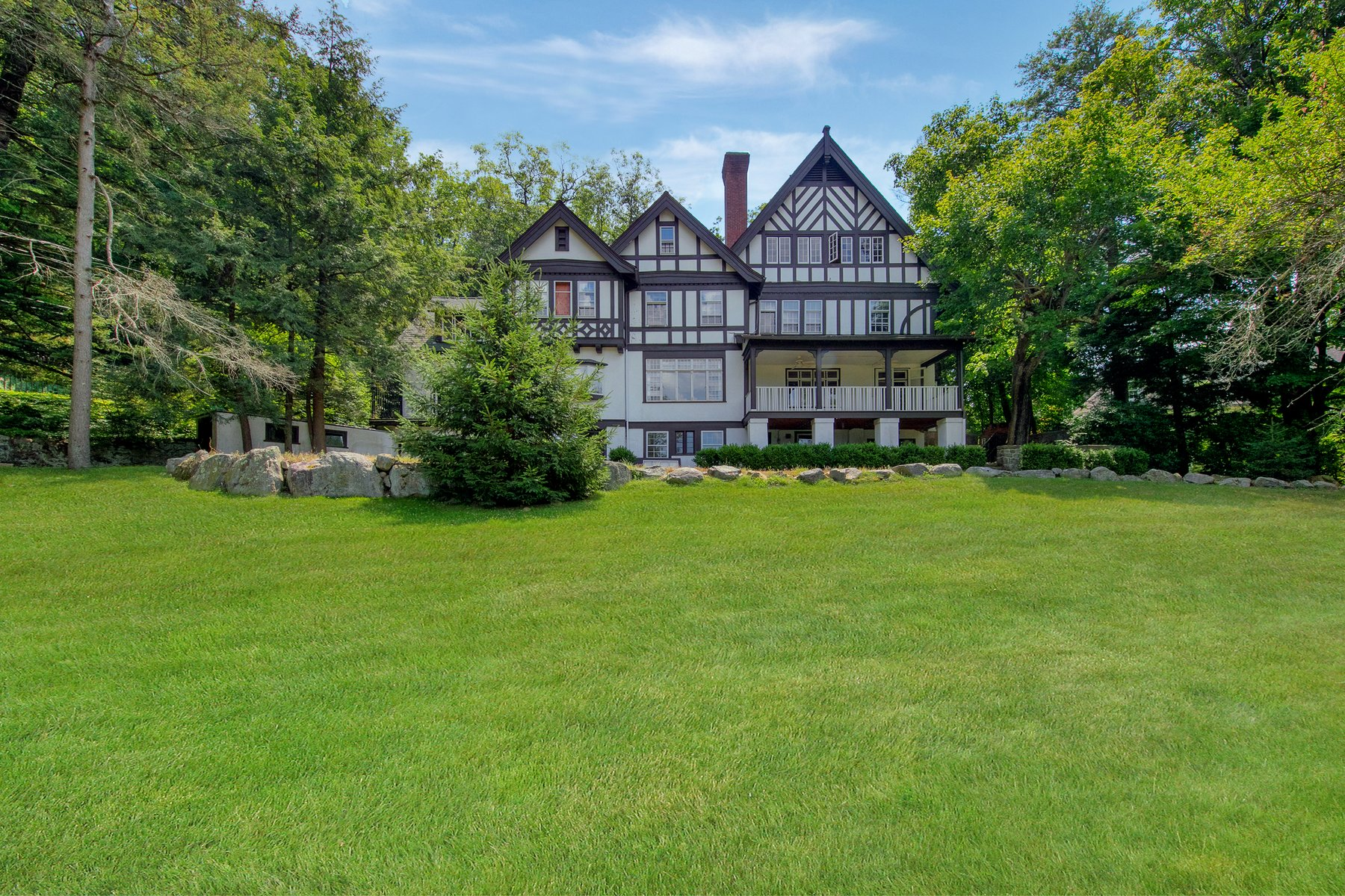 Single Family Home for Sale at Lorillard Cottage 130 Continental Road Tuxedo Park, New York 10987 United States