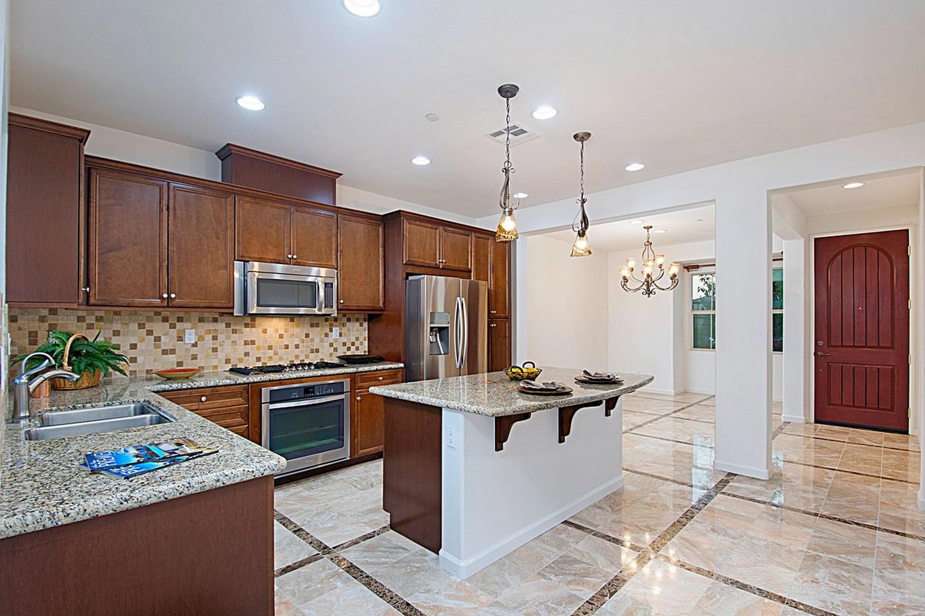 多棟聯建住宅 為 出售 在 8585 Old Stonefield Chase San Diego, 加利福尼亞州, 92127 美國