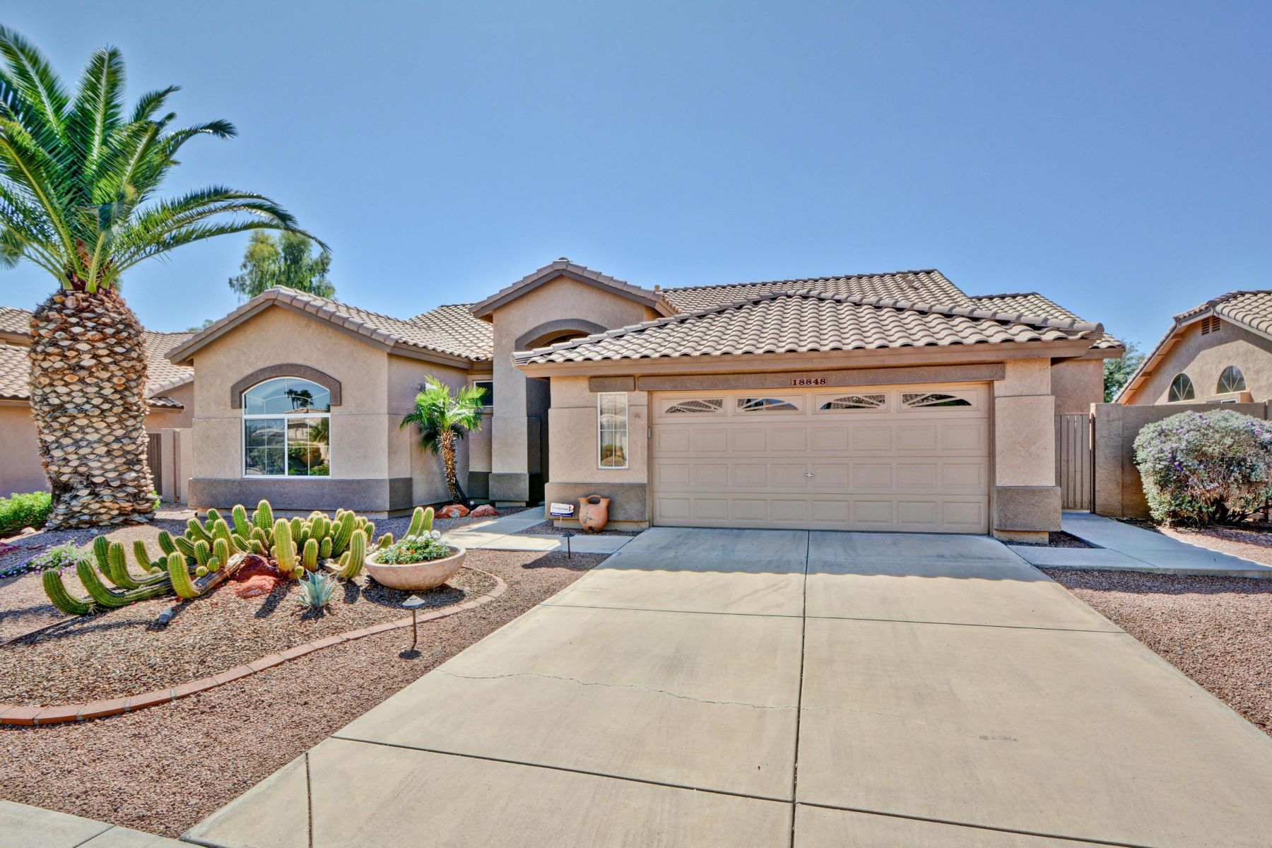 Single Family Homes por un Venta en Westbrook Village 18848 N 87TH LN Peoria, Arizona 85382 Estados Unidos