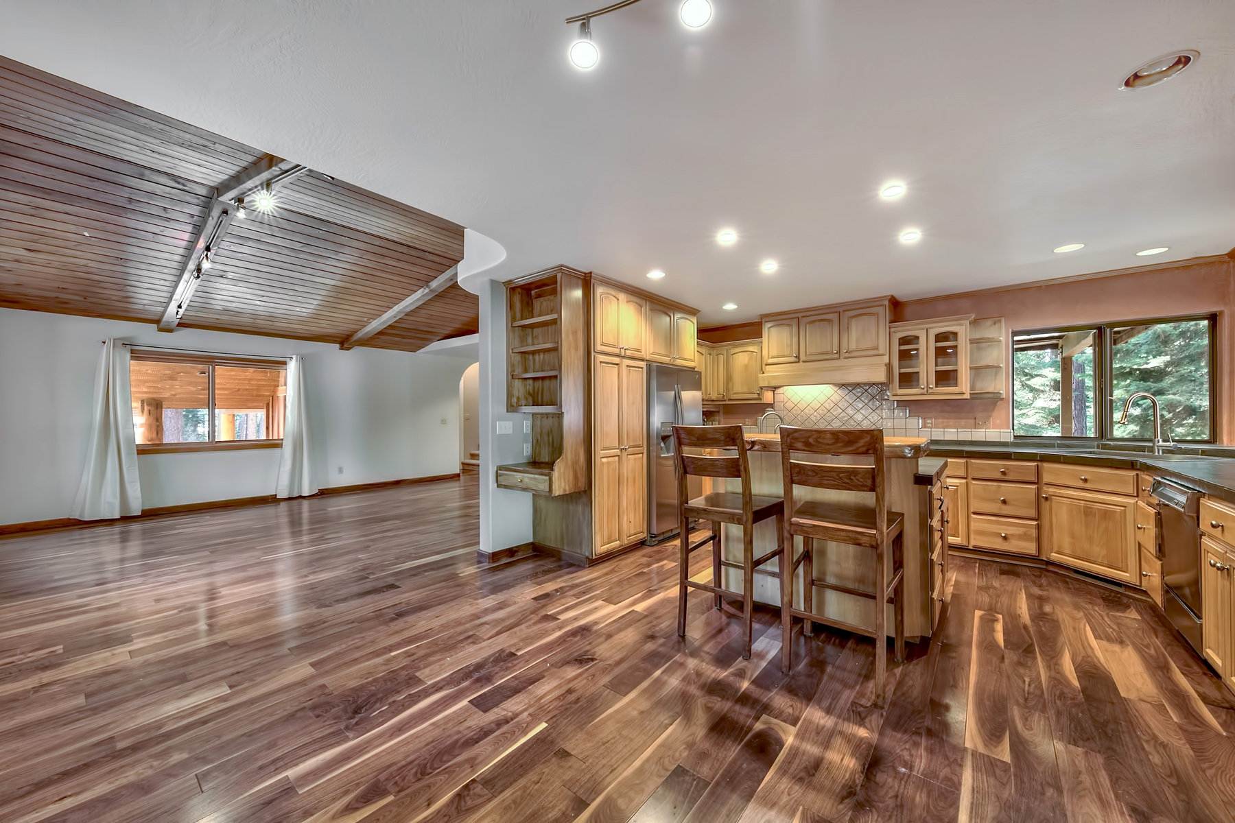 Additional photo for property listing at 8841 Dolly Varden Ave, Kings Beach, CA 96143 8841 Dolly Varden Ave Kings Beach, California 96143 United States