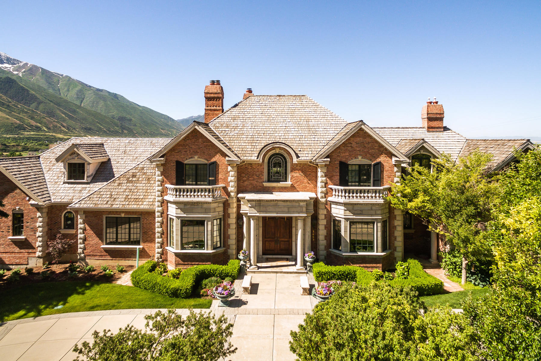 Single Family Homes 용 매매 에 Luxury Estate with Incredible Views 2662 E Stonebury Loop Rd, Springville, 유타 84663 미국