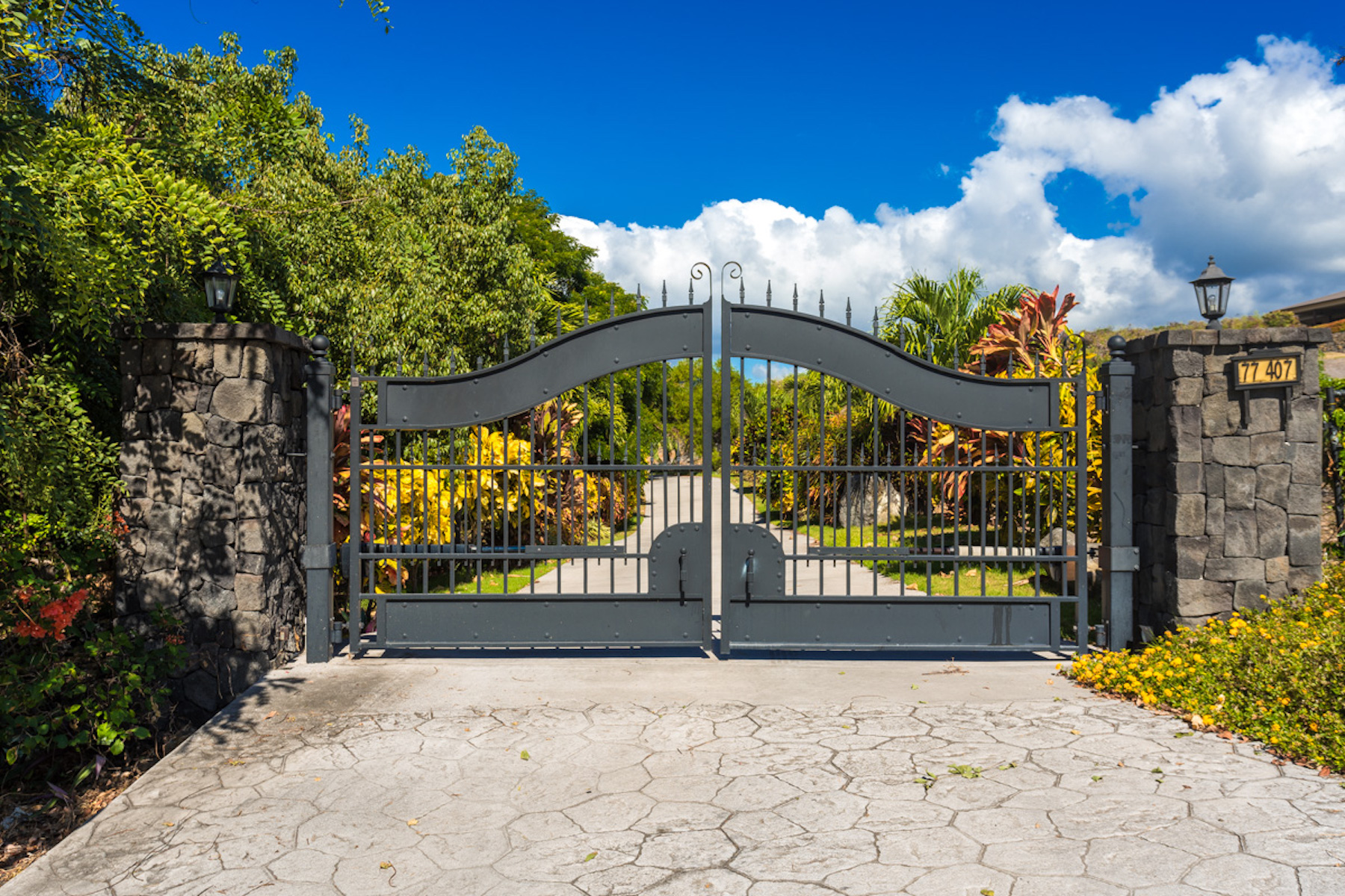 Single Family Home for Active at 77-407 Hoomaluhia Dr Kailua-Kona, Hawaii 96740 United States