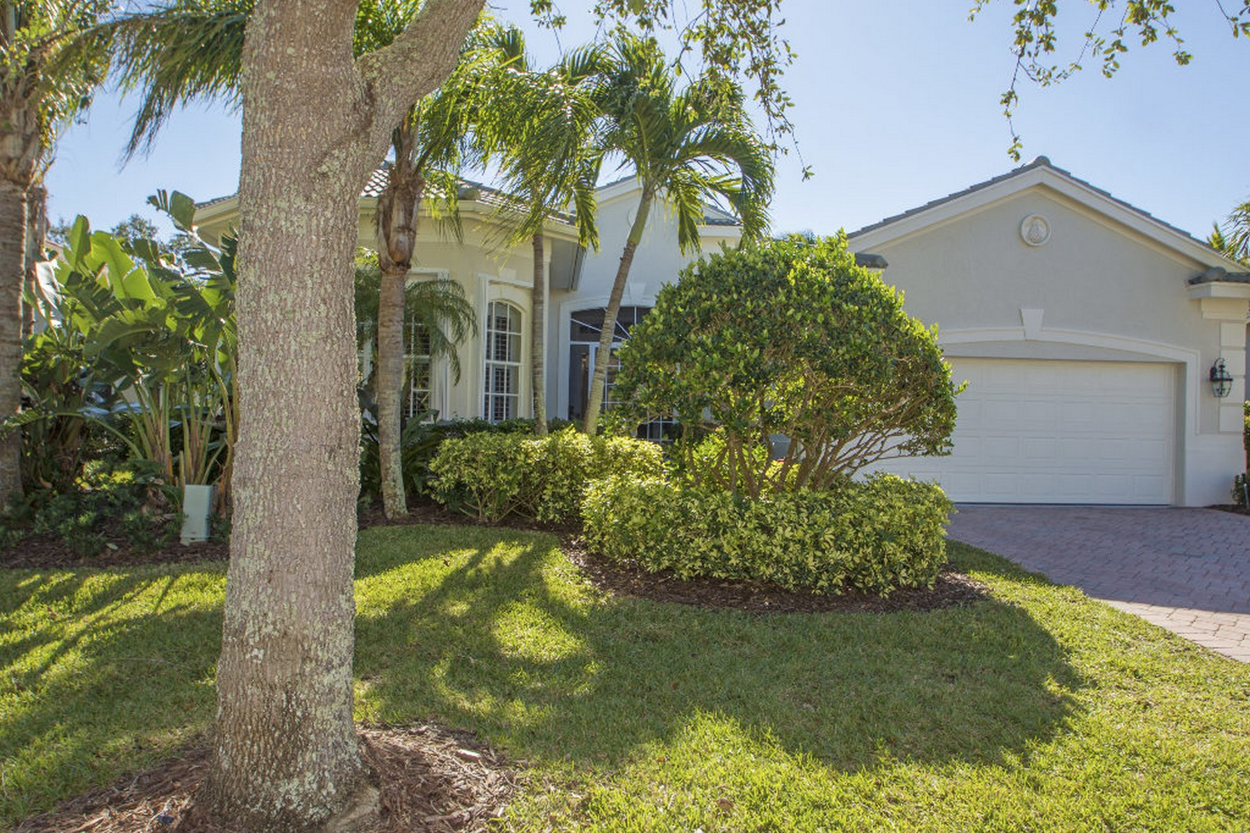 Single Family Home for Sale at Immaculate and Upgraded Home in Island Club 1329 W Island Club Square Vero Beach, Florida 32963 United States