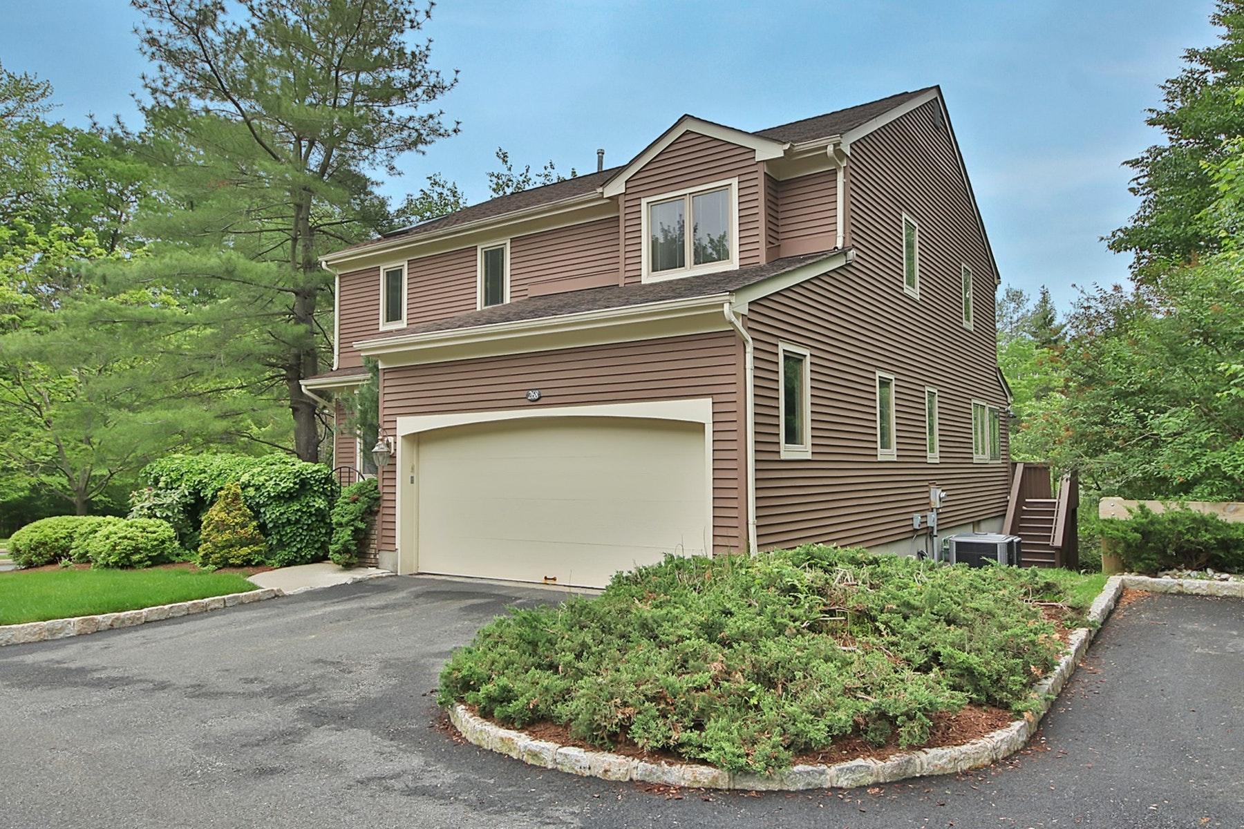 Maison accolée pour l Vente à Apple Ridge Estates 268 Apple Ridge Boulevard Mahwah, New Jersey 07439 États-Unis