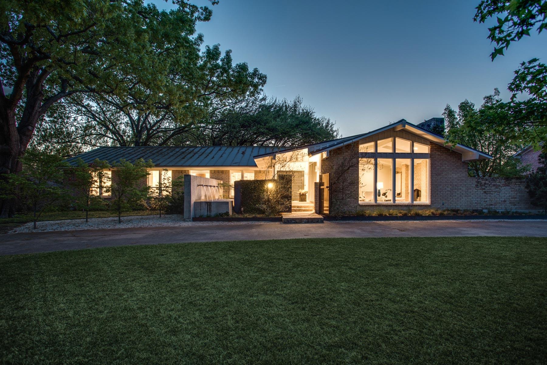 단독 가정 주택 용 매매 에 Greenway Parks Traditional on .652 Acre Treed Lot 5322 Wateka Drive, Dallas, 텍사스, 75209 미국