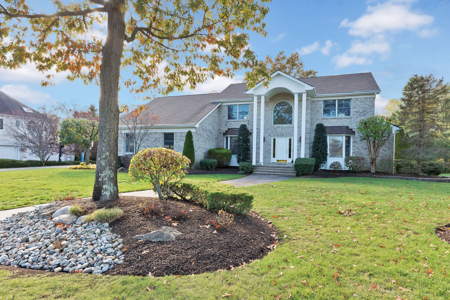 Single Family Homes for Sale at Wayside Lifestyle 19 Oxford Drive Ocean, New Jersey 07712 United States